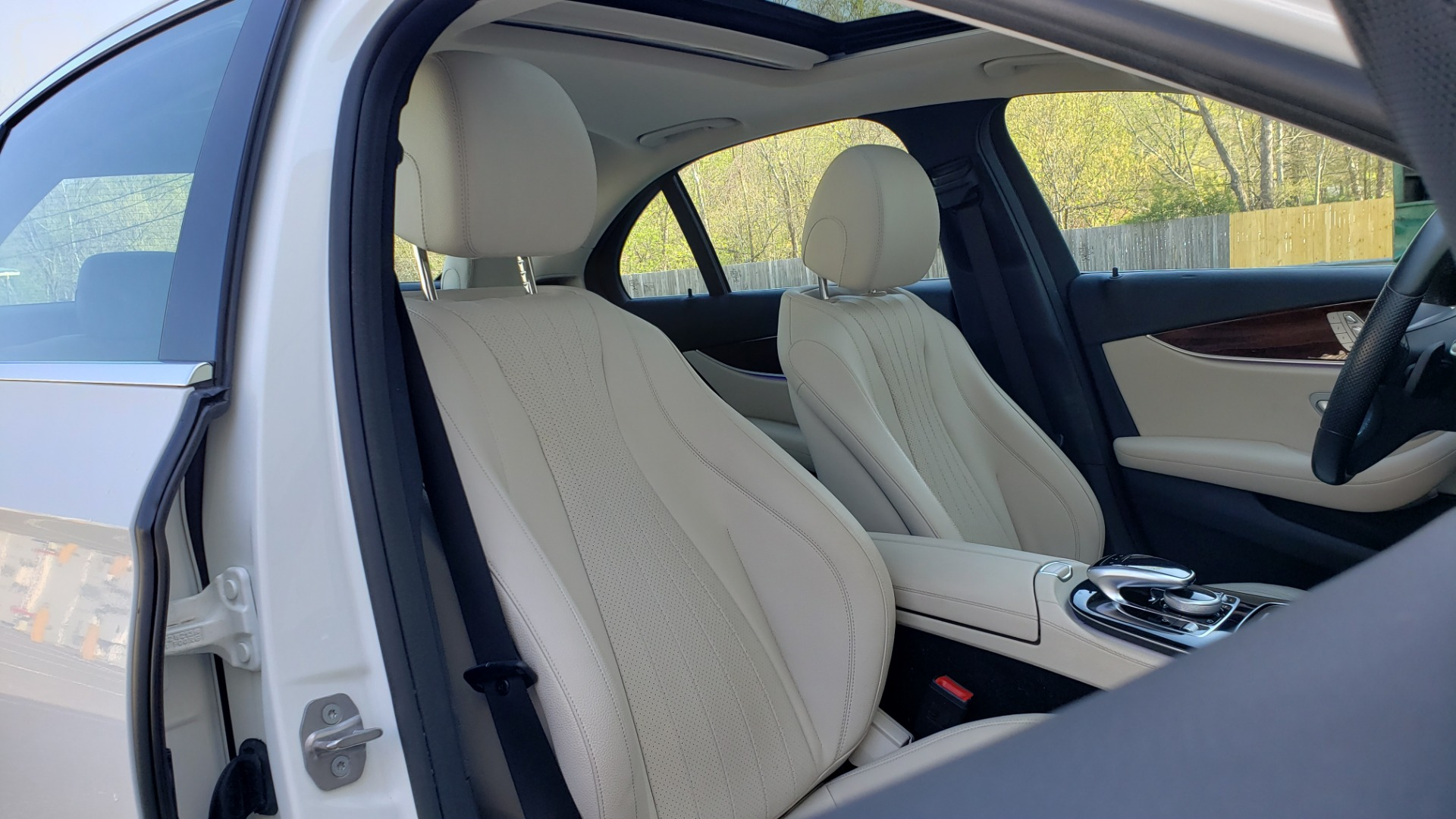 Used 2017 Mercedes-Benz E-Class E 300 PREMIUM / RWD / NAV / SNF / PARKING PILOT / REARVIEW / BURMESTER for sale Sold at Formula Imports in Charlotte NC 28227 59