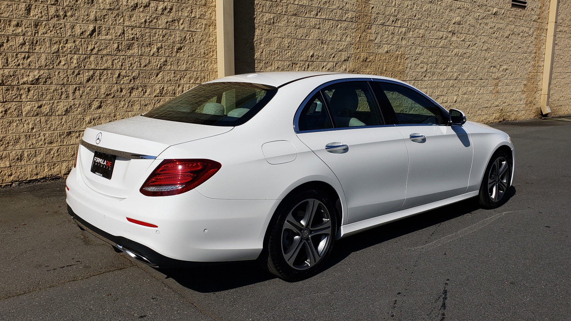 Used 2017 Mercedes-Benz E-Class E 300 PREMIUM / RWD / NAV / SNF / PARKING PILOT / REARVIEW / BURMESTER for sale Sold at Formula Imports in Charlotte NC 28227 6