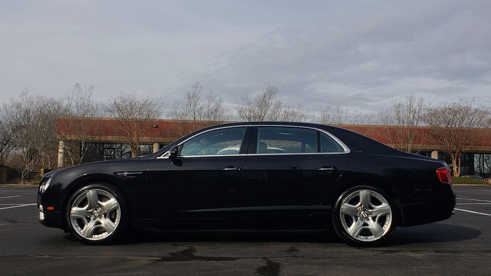 Used 2014 Bentley Flying Spur W12 / 8-SPD / AWD / NAV / MULLINER DRIVING SPEC for sale Sold at Formula Imports in Charlotte NC 28227 2