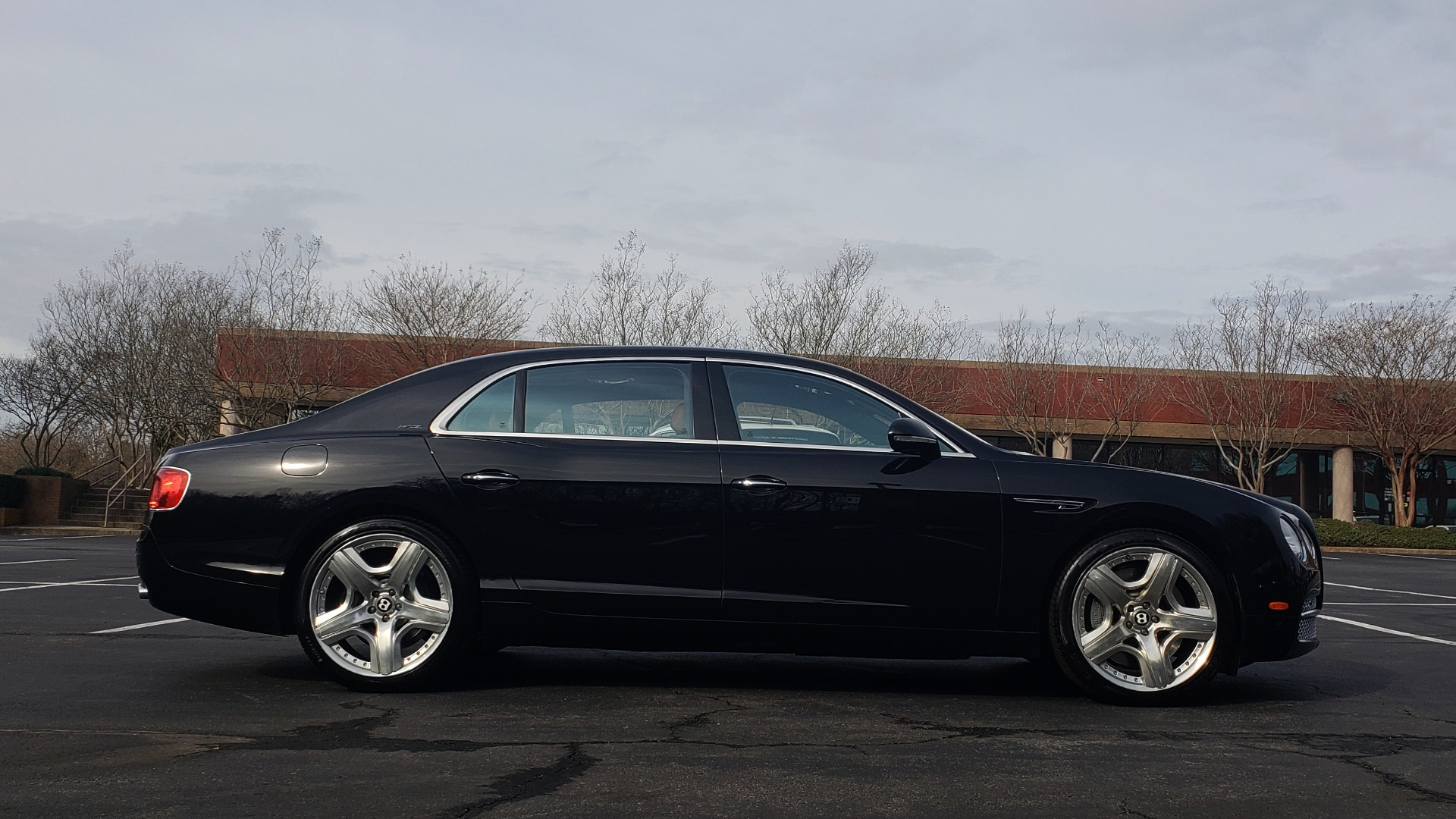 Used 2014 Bentley Flying Spur W12 / 8-SPD / AWD / NAV / MULLINER DRIVING SPEC for sale Sold at Formula Imports in Charlotte NC 28227 7