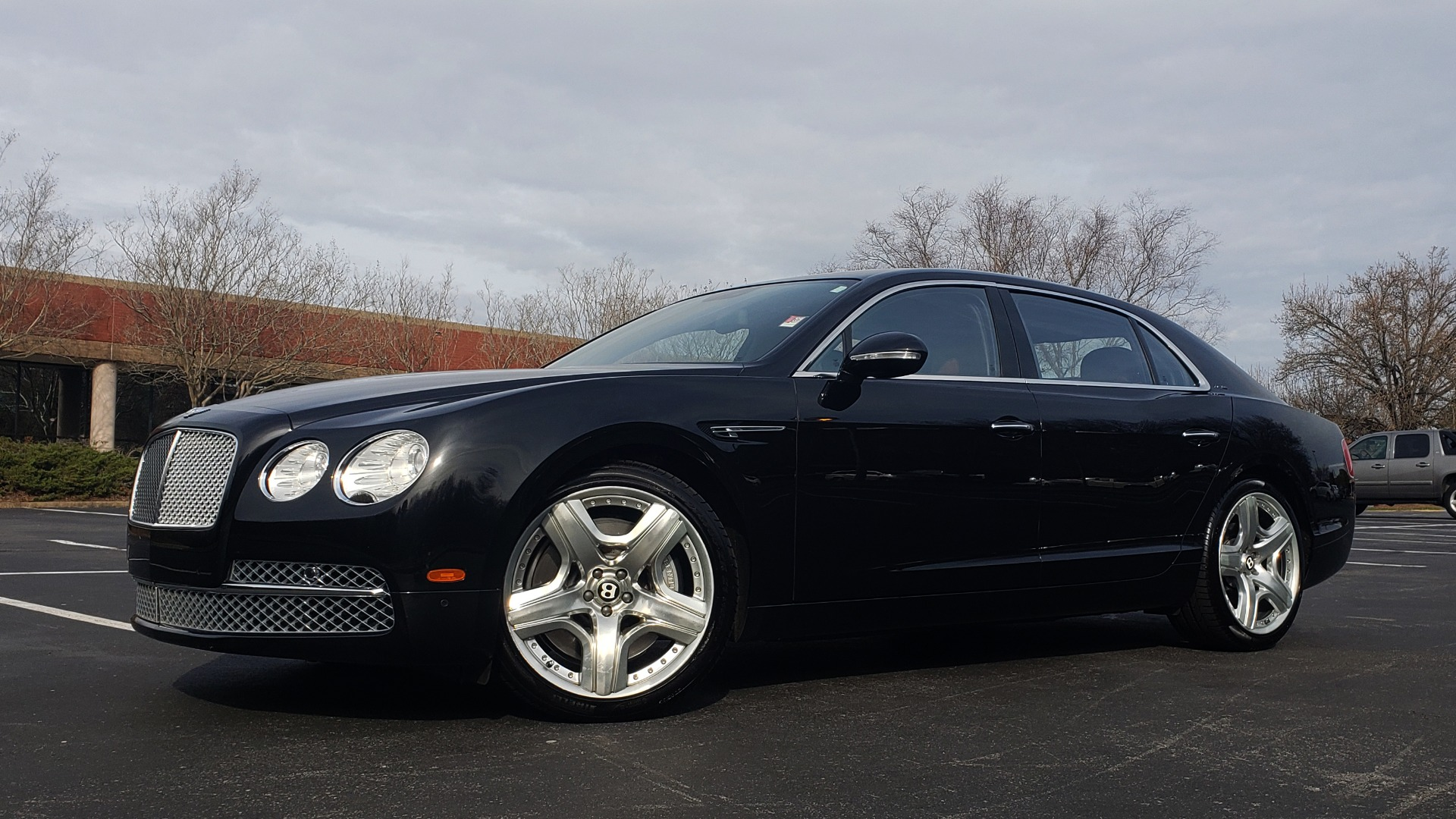 Used 2014 Bentley Flying Spur W12 / 8-SPD / AWD / NAV / MULLINER DRIVING SPEC for sale Sold at Formula Imports in Charlotte NC 28227 1