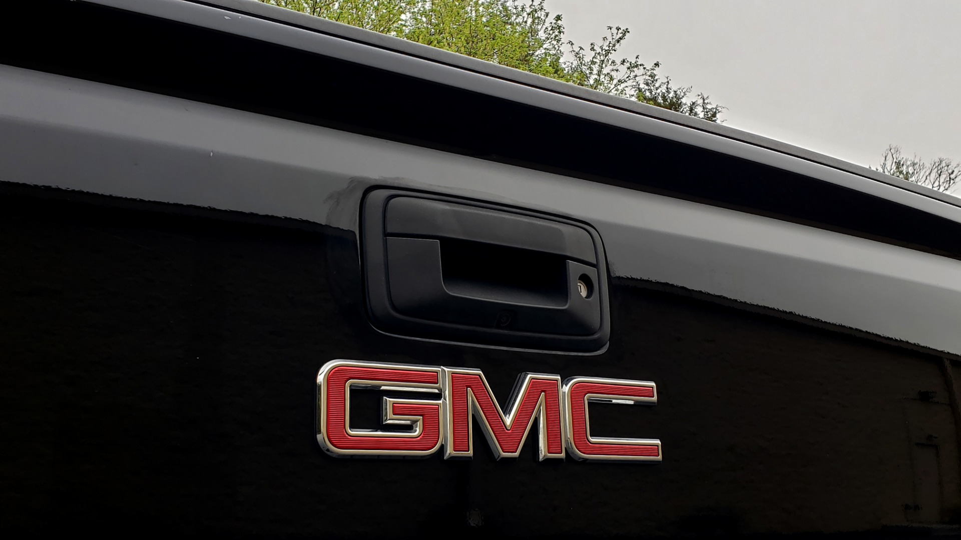Used 2015 GMC SIERRA 1500 SLT 4WD CREW CAB / 6.2L V8 / NAV / BOSE / REARVIEW for sale Sold at Formula Imports in Charlotte NC 28227 29