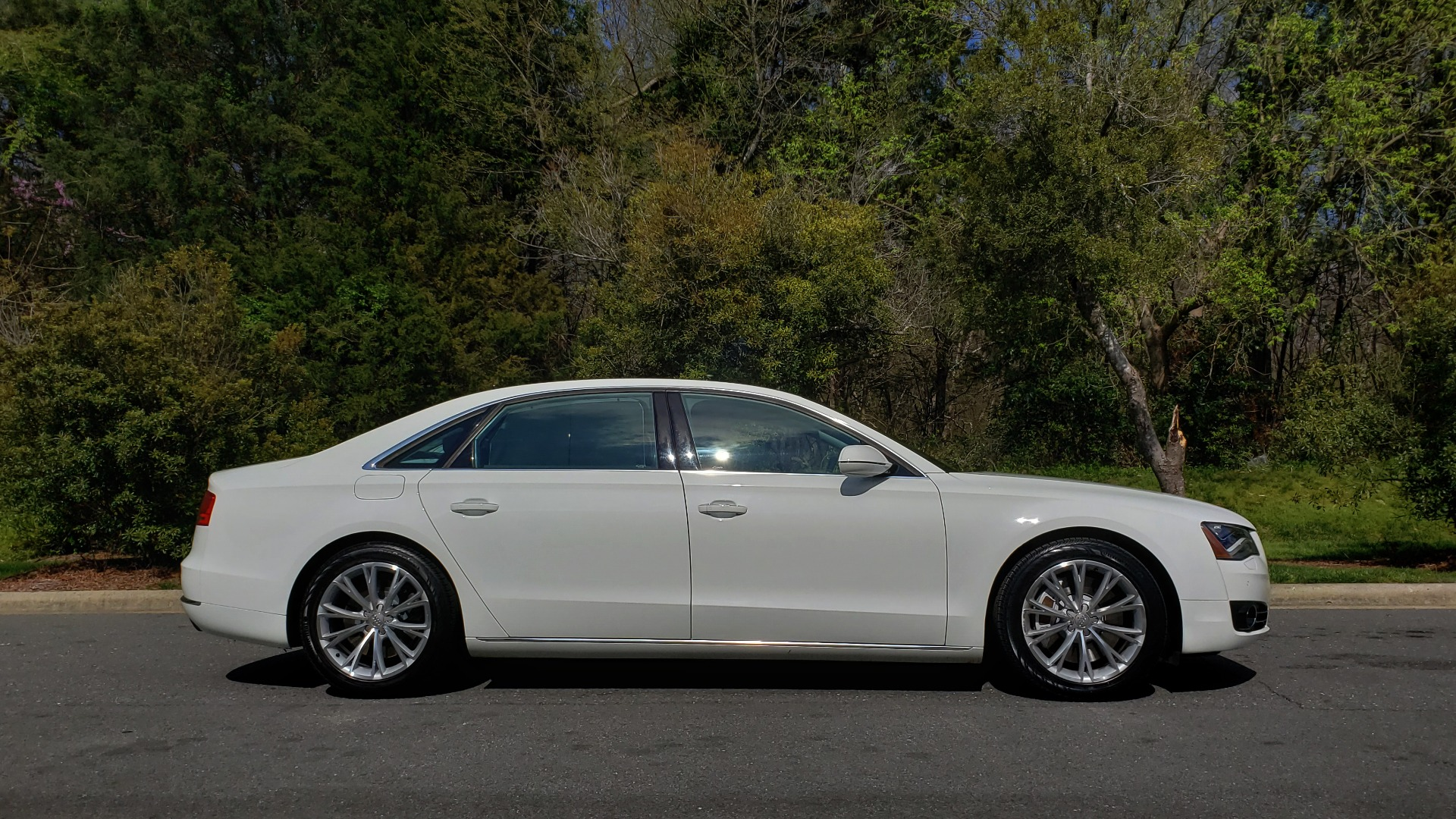 Used 2011 Audi A8 L QUATTRO / NAV / PANO-ROOF / REARVIEW / BSM / B&O SND for sale Sold at Formula Imports in Charlotte NC 28227 5