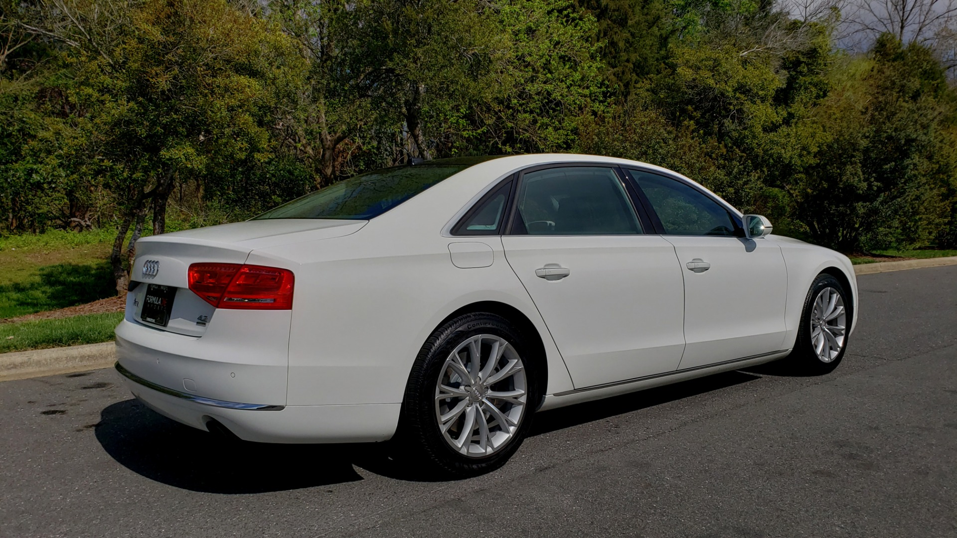 Used 2011 Audi A8 L QUATTRO / NAV / PANO-ROOF / REARVIEW / BSM / B&O SND for sale Sold at Formula Imports in Charlotte NC 28227 6