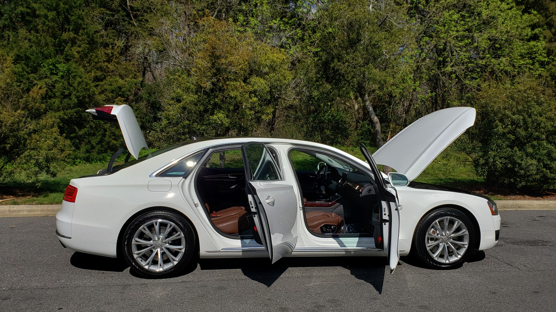 Used 2011 Audi A8 L QUATTRO / NAV / PANO-ROOF / REARVIEW / BSM / B&O SND for sale Sold at Formula Imports in Charlotte NC 28227 9