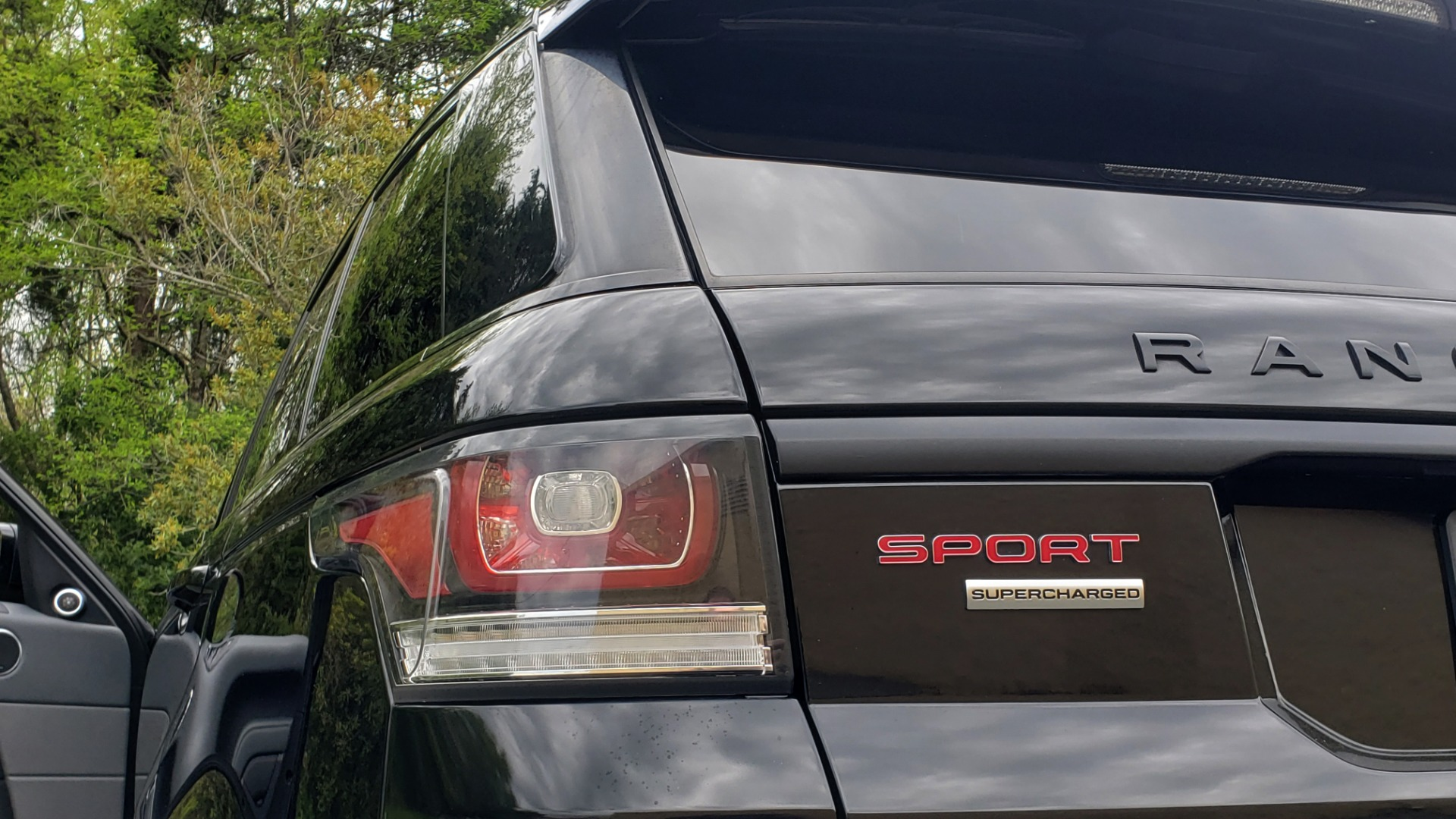Used 2015 Land Rover RANGE ROVER SPORT SC V8 DYNAMIC / NAV / PANO-ROOF / DRVR ASST / REARVIEW for sale Sold at Formula Imports in Charlotte NC 28227 29