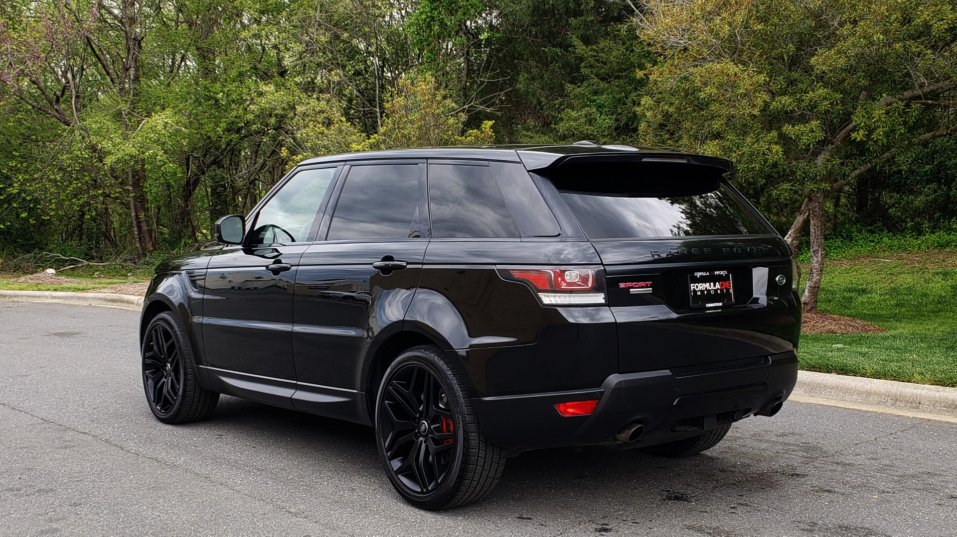 Used 2015 Land Rover RANGE ROVER SPORT SC V8 DYNAMIC / NAV / PANO-ROOF / DRVR ASST / REARVIEW for sale Sold at Formula Imports in Charlotte NC 28227 3