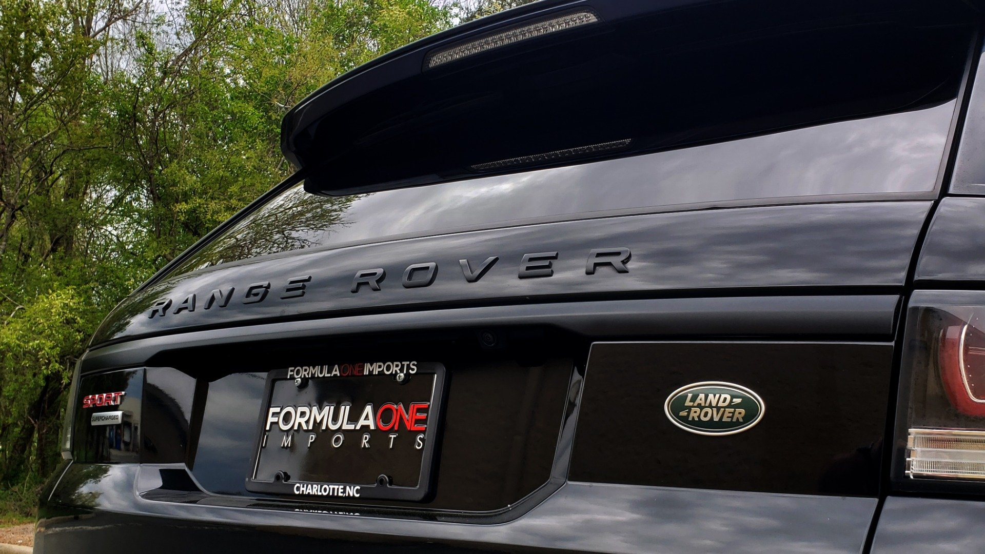 Used 2015 Land Rover RANGE ROVER SPORT SC V8 DYNAMIC / NAV / PANO-ROOF / DRVR ASST / REARVIEW for sale Sold at Formula Imports in Charlotte NC 28227 31