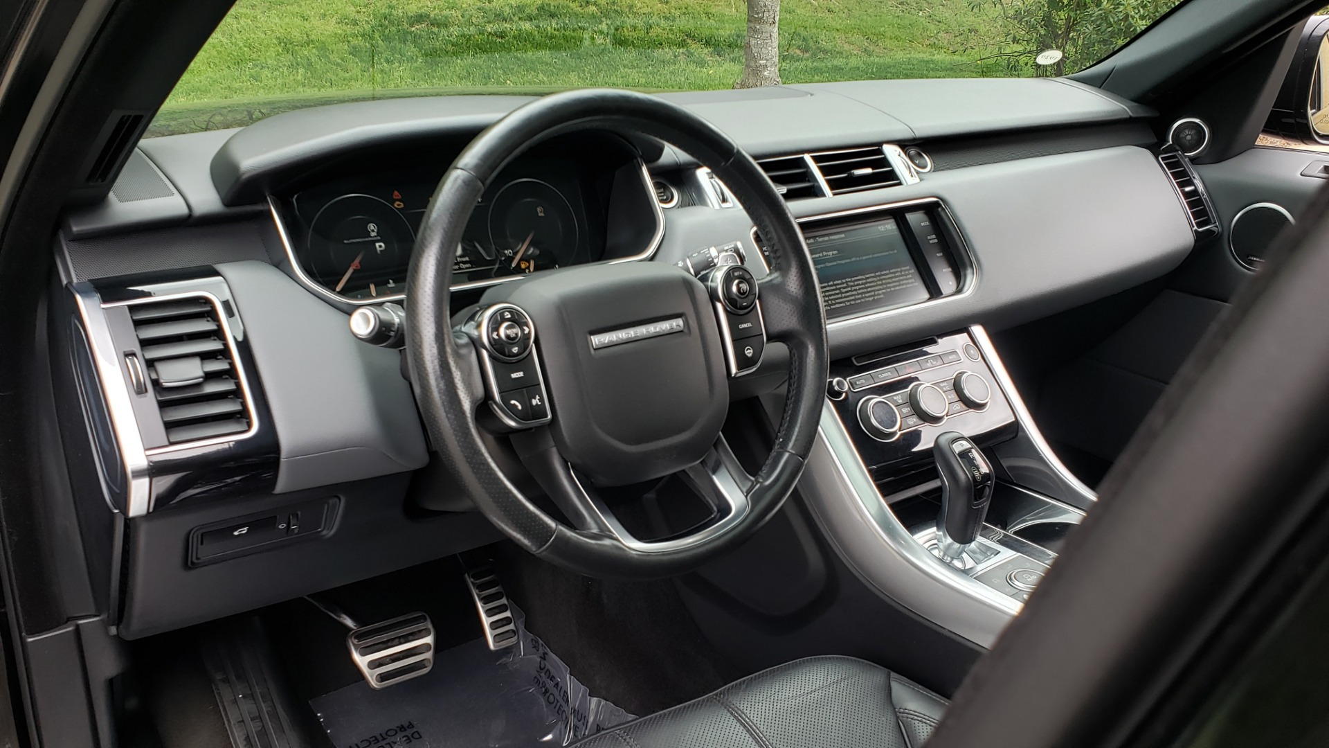 Used 2015 Land Rover RANGE ROVER SPORT SC V8 DYNAMIC / NAV / PANO-ROOF / DRVR ASST / REARVIEW for sale Sold at Formula Imports in Charlotte NC 28227 38