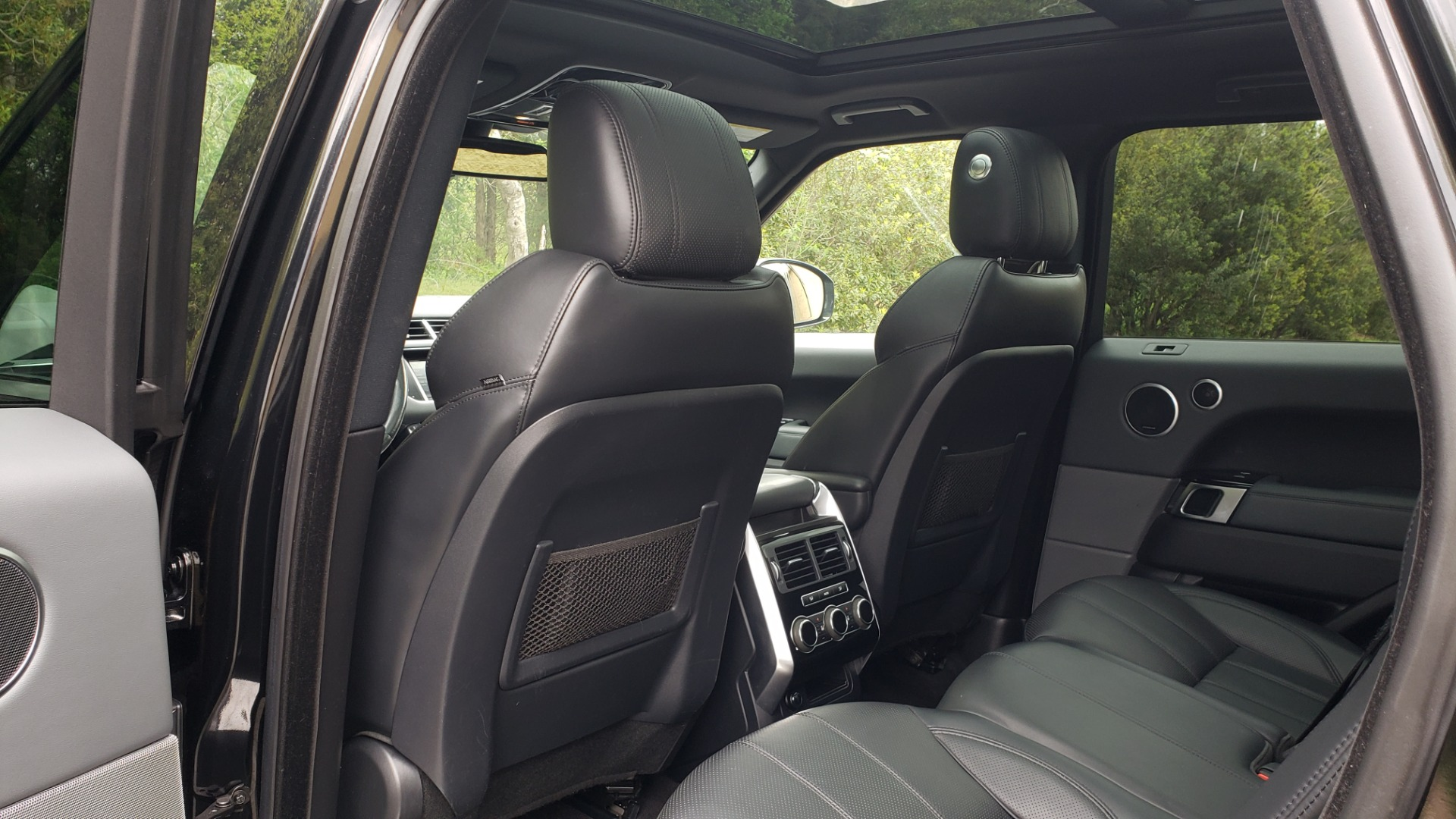 Used 2015 Land Rover RANGE ROVER SPORT SC V8 DYNAMIC / NAV / PANO-ROOF / DRVR ASST / REARVIEW for sale Sold at Formula Imports in Charlotte NC 28227 64