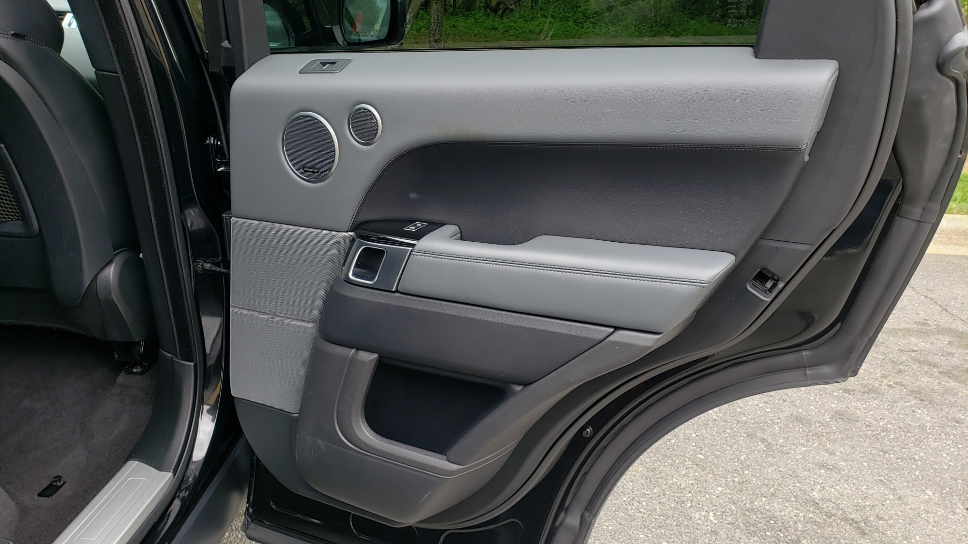 Used 2015 Land Rover RANGE ROVER SPORT SC V8 DYNAMIC / NAV / PANO-ROOF / DRVR ASST / REARVIEW for sale Sold at Formula Imports in Charlotte NC 28227 73