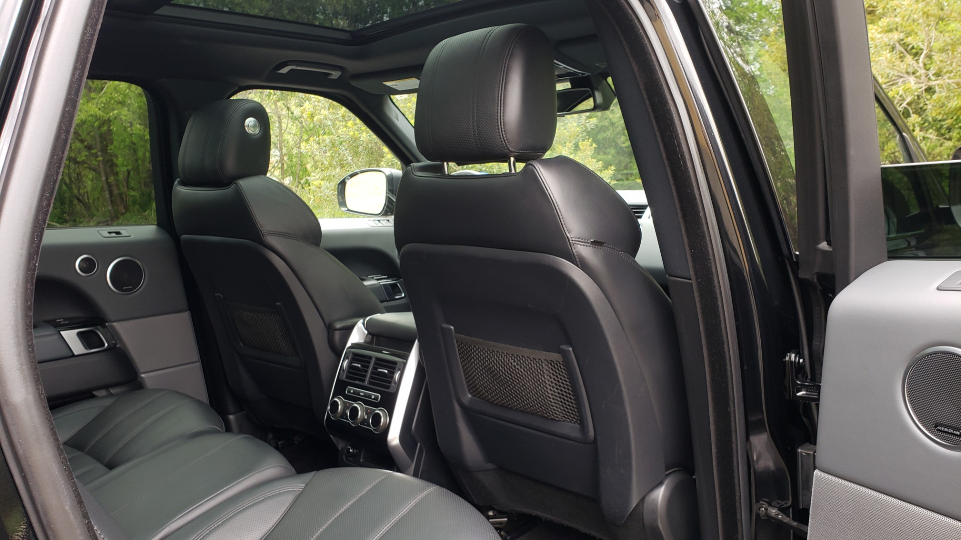 Used 2015 Land Rover RANGE ROVER SPORT SC V8 DYNAMIC / NAV / PANO-ROOF / DRVR ASST / REARVIEW for sale Sold at Formula Imports in Charlotte NC 28227 79