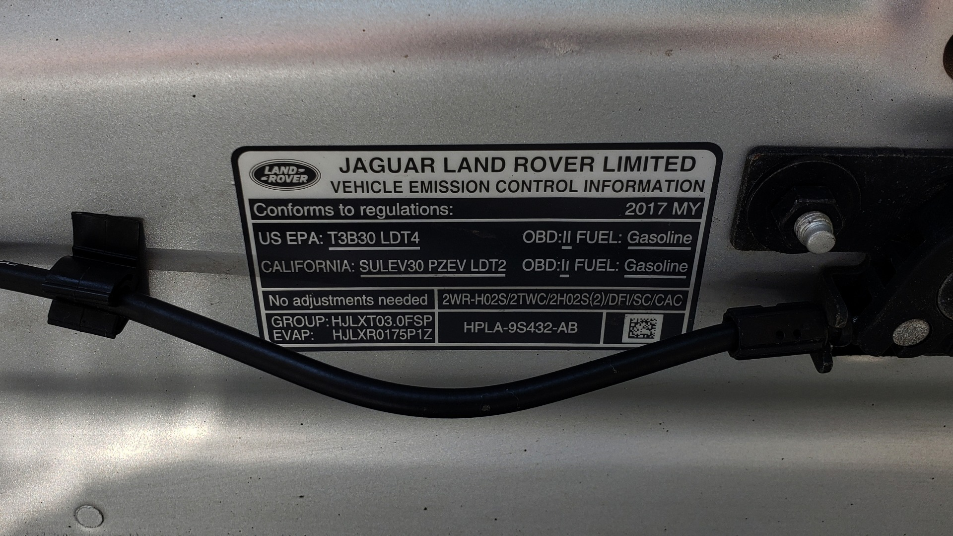 Used 2017 Land Rover RANGE ROVER SPORT HSE / SC V6 / 4X4 / NAV / PANO-ROOF / REARVIEW for sale $43,995 at Formula Imports in Charlotte NC 28227 13