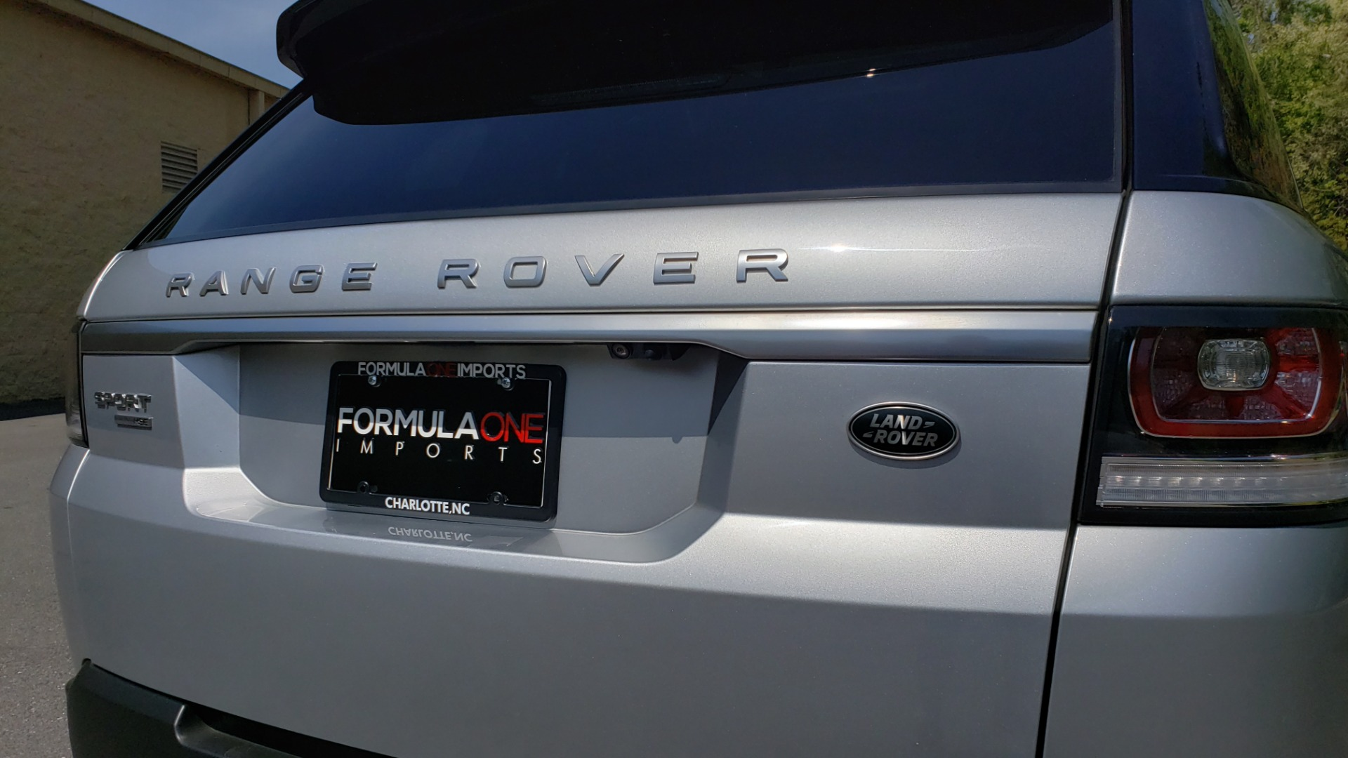 Used 2017 Land Rover RANGE ROVER SPORT HSE / SC V6 / 4X4 / NAV / PANO-ROOF / REARVIEW for sale Sold at Formula Imports in Charlotte NC 28227 30