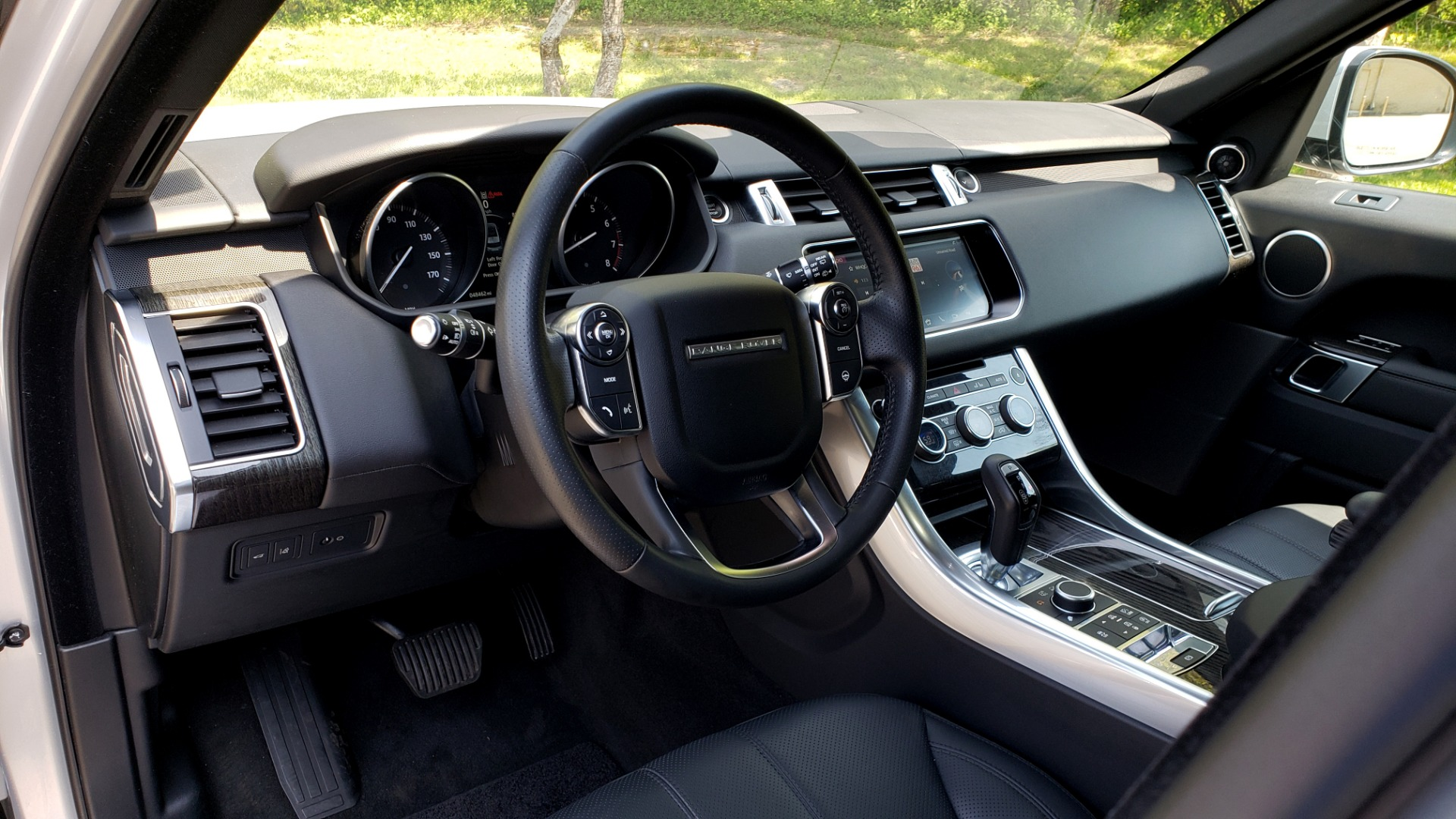 Used 2017 Land Rover RANGE ROVER SPORT HSE / SC V6 / 4X4 / NAV / PANO-ROOF / REARVIEW for sale $43,995 at Formula Imports in Charlotte NC 28227 36