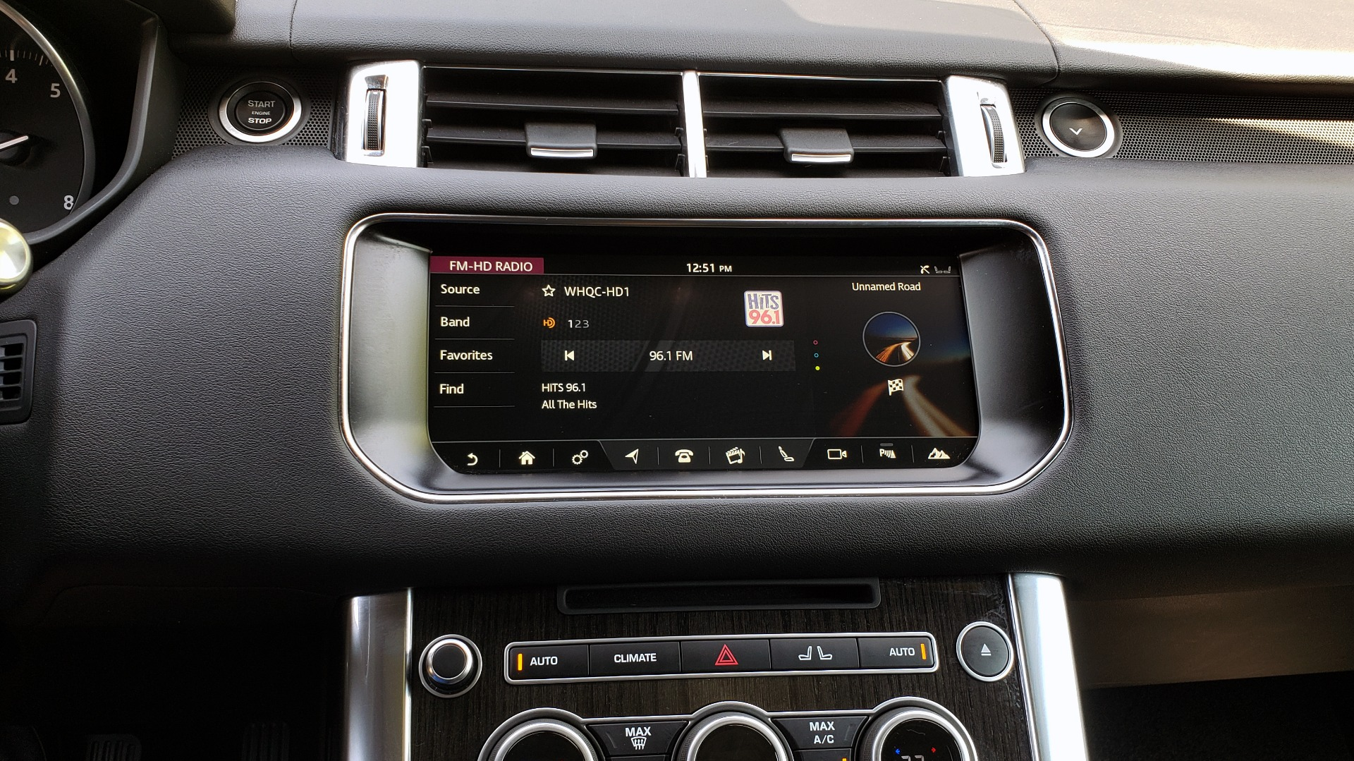 Used 2017 Land Rover RANGE ROVER SPORT HSE / SC V6 / 4X4 / NAV / PANO-ROOF / REARVIEW for sale $43,995 at Formula Imports in Charlotte NC 28227 45