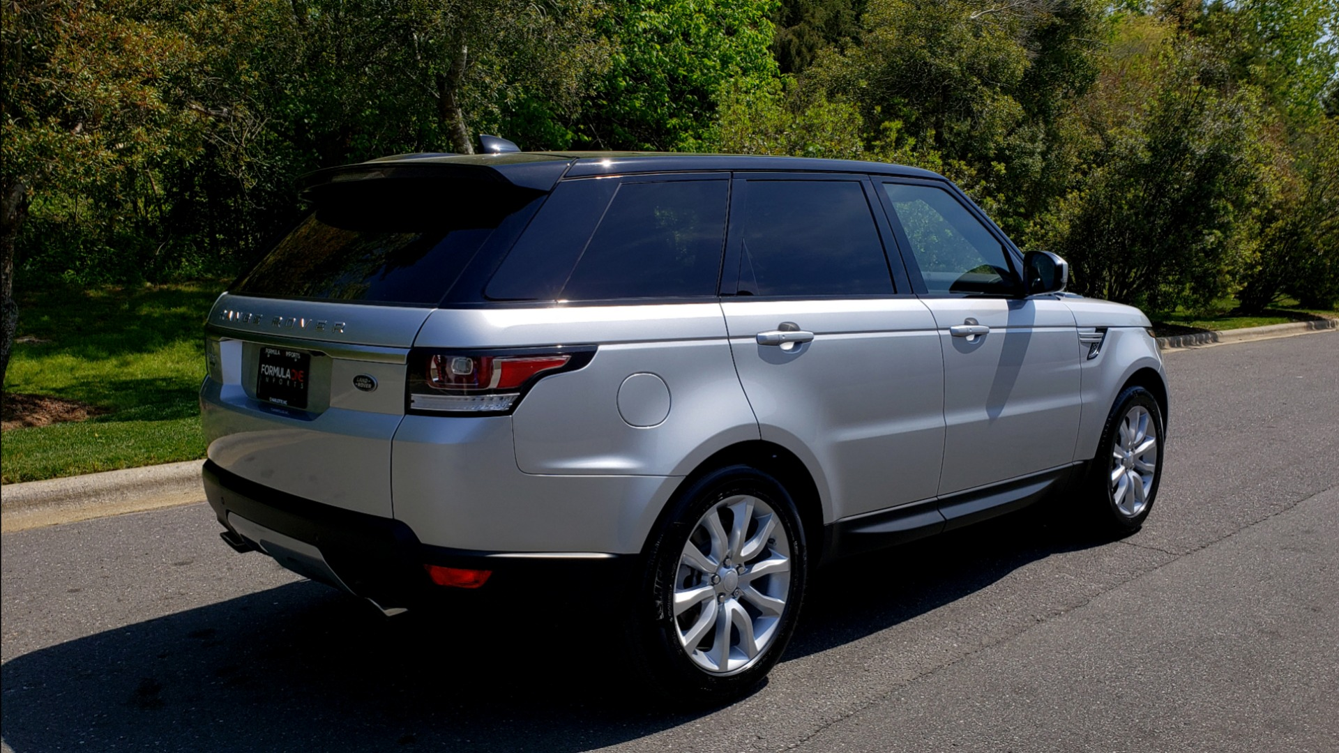 Used 2017 Land Rover RANGE ROVER SPORT HSE / SC V6 / 4X4 / NAV / PANO-ROOF / REARVIEW for sale $43,995 at Formula Imports in Charlotte NC 28227 6