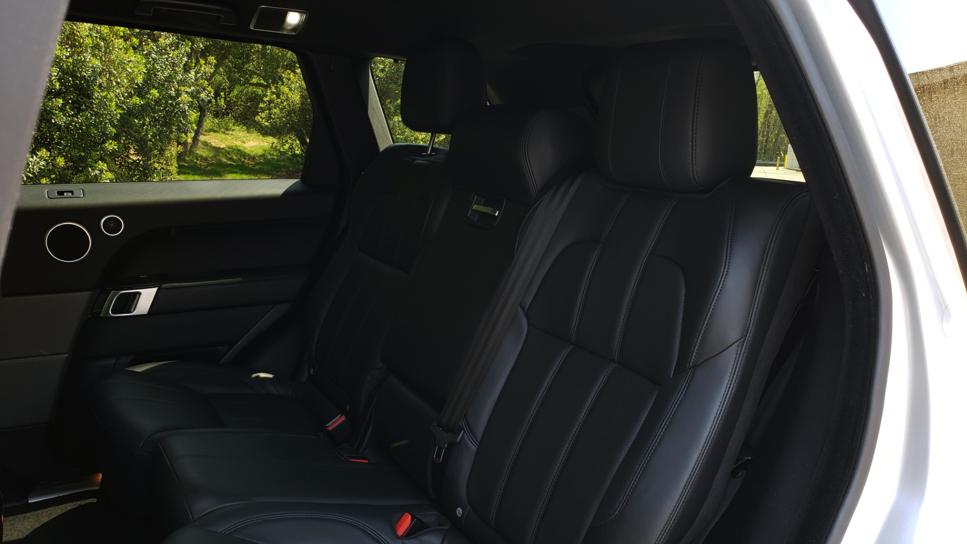 Used 2017 Land Rover RANGE ROVER SPORT HSE / SC V6 / 4X4 / NAV / PANO-ROOF / REARVIEW for sale $43,995 at Formula Imports in Charlotte NC 28227 62