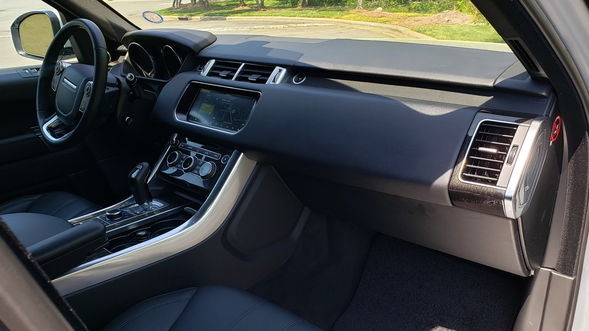 Used 2017 Land Rover RANGE ROVER SPORT HSE / SC V6 / 4X4 / NAV / PANO-ROOF / REARVIEW for sale $43,995 at Formula Imports in Charlotte NC 28227 65