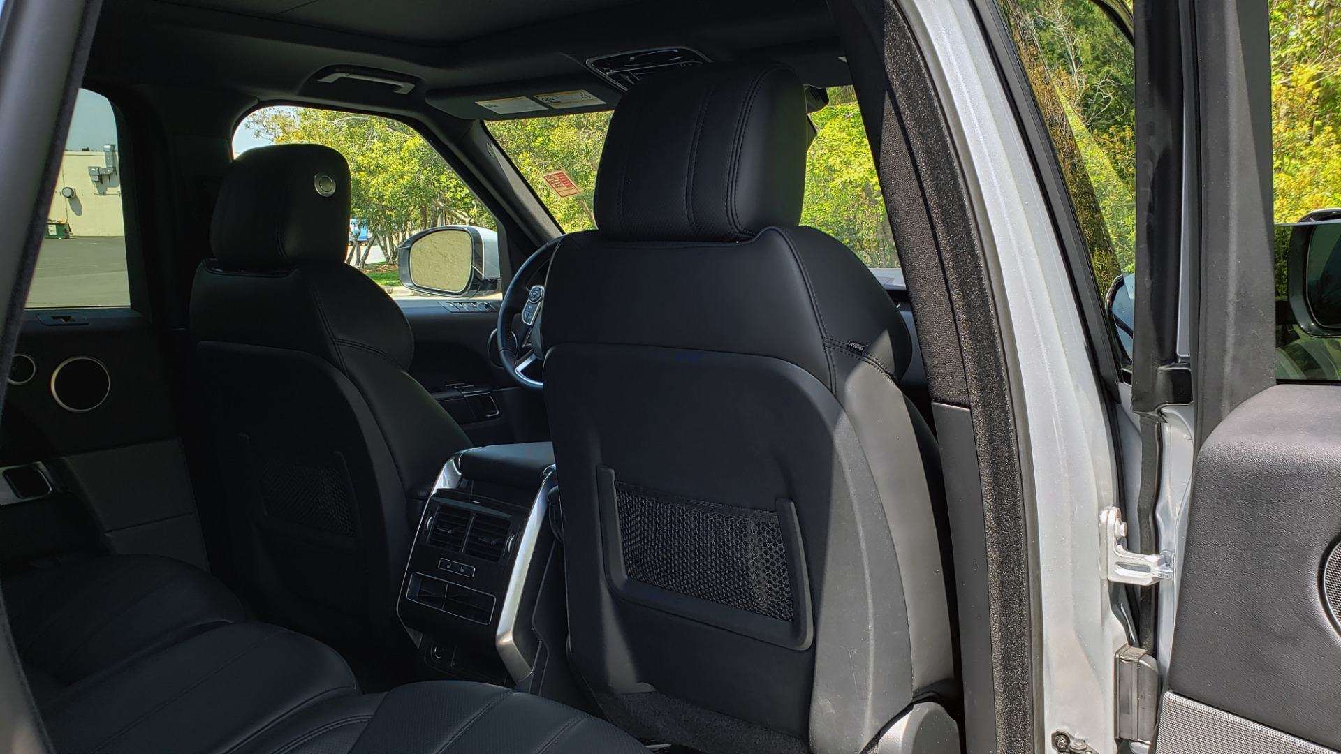 Used 2017 Land Rover RANGE ROVER SPORT HSE / SC V6 / 4X4 / NAV / PANO-ROOF / REARVIEW for sale $43,995 at Formula Imports in Charlotte NC 28227 76