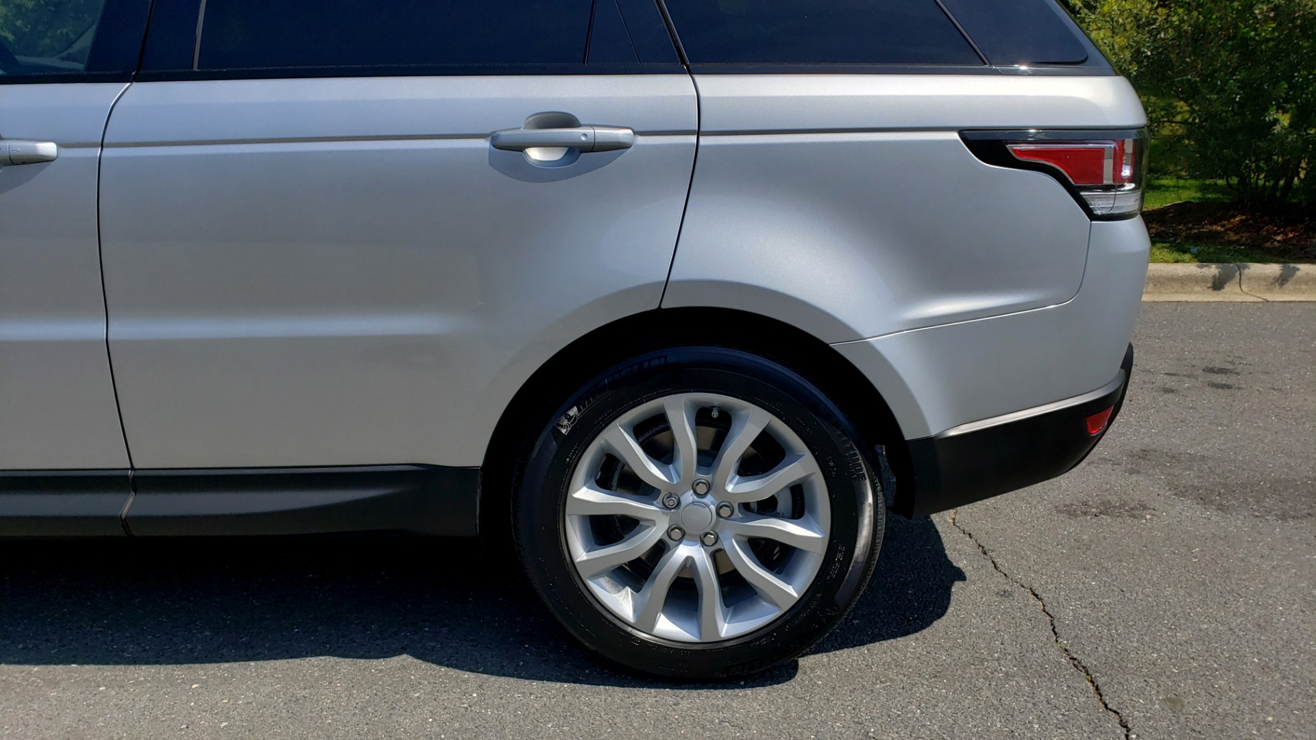 Used 2017 Land Rover RANGE ROVER SPORT HSE / SC V6 / 4X4 / NAV / PANO-ROOF / REARVIEW for sale $43,995 at Formula Imports in Charlotte NC 28227 83