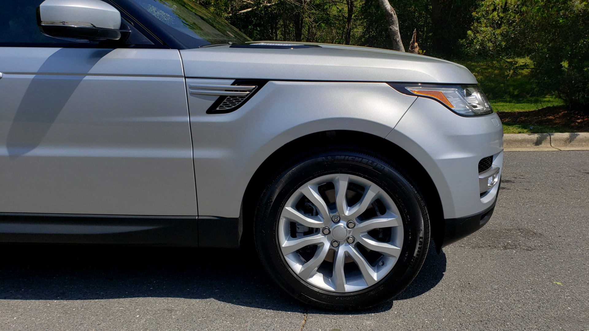 Used 2017 Land Rover RANGE ROVER SPORT HSE / SC V6 / 4X4 / NAV / PANO-ROOF / REARVIEW for sale $43,995 at Formula Imports in Charlotte NC 28227 85