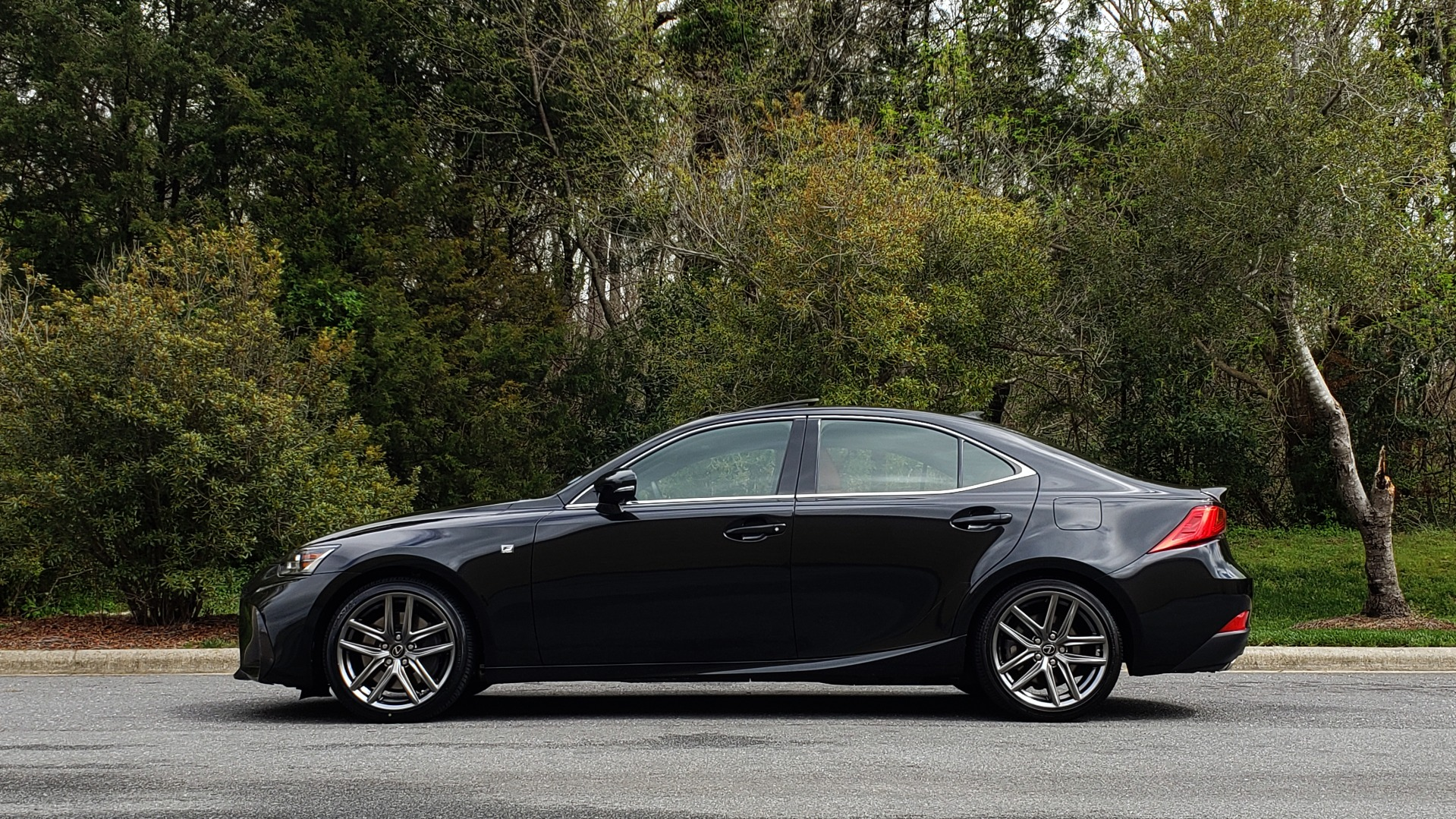 Used 2017 Lexus IS 300 F SPORT AWD / NAV / SUNROOF / REARVIEW / VENT SEATS / BSM for sale Sold at Formula Imports in Charlotte NC 28227 2