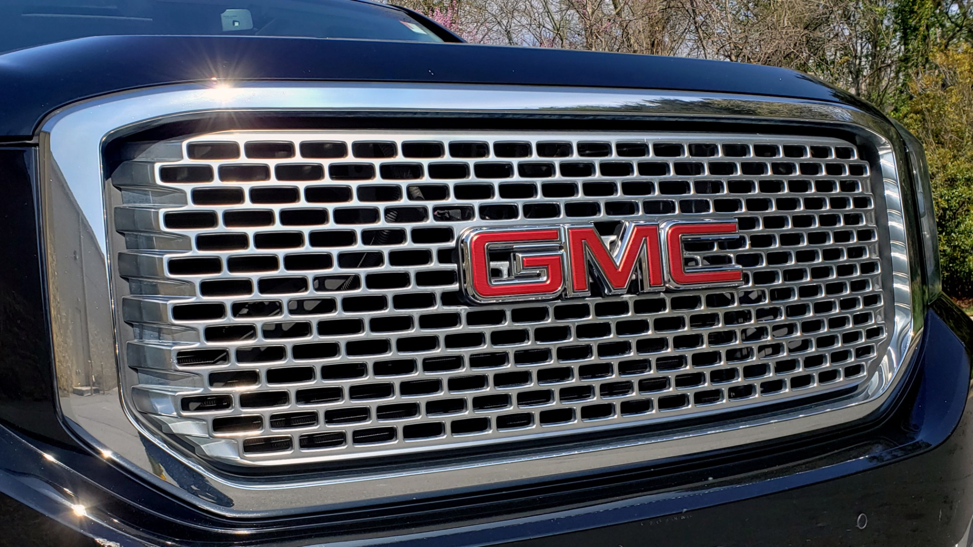 Used 2016 GMC YUKON DENALI 4WD / OPEN ROAD / NAV / ENTERTAINMENT / 3-ROW for sale Sold at Formula Imports in Charlotte NC 28227 21