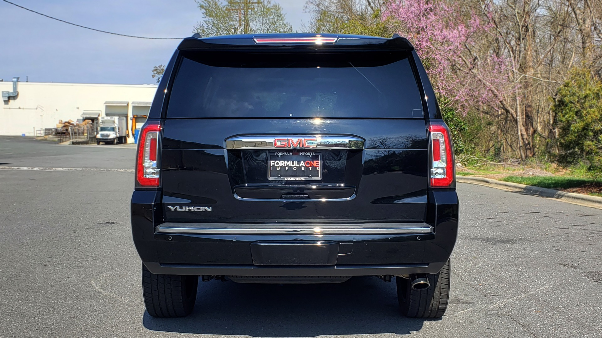 Used 2016 GMC YUKON DENALI 4WD / OPEN ROAD / NAV / ENTERTAINMENT / 3-ROW for sale Sold at Formula Imports in Charlotte NC 28227 24