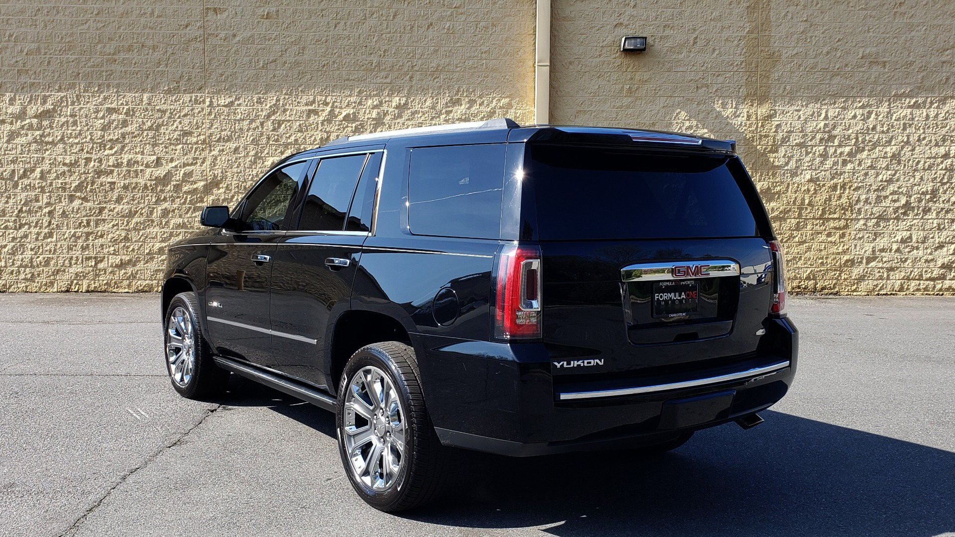 Used 2016 GMC YUKON DENALI 4WD / OPEN ROAD / NAV / ENTERTAINMENT / 3-ROW for sale Sold at Formula Imports in Charlotte NC 28227 3