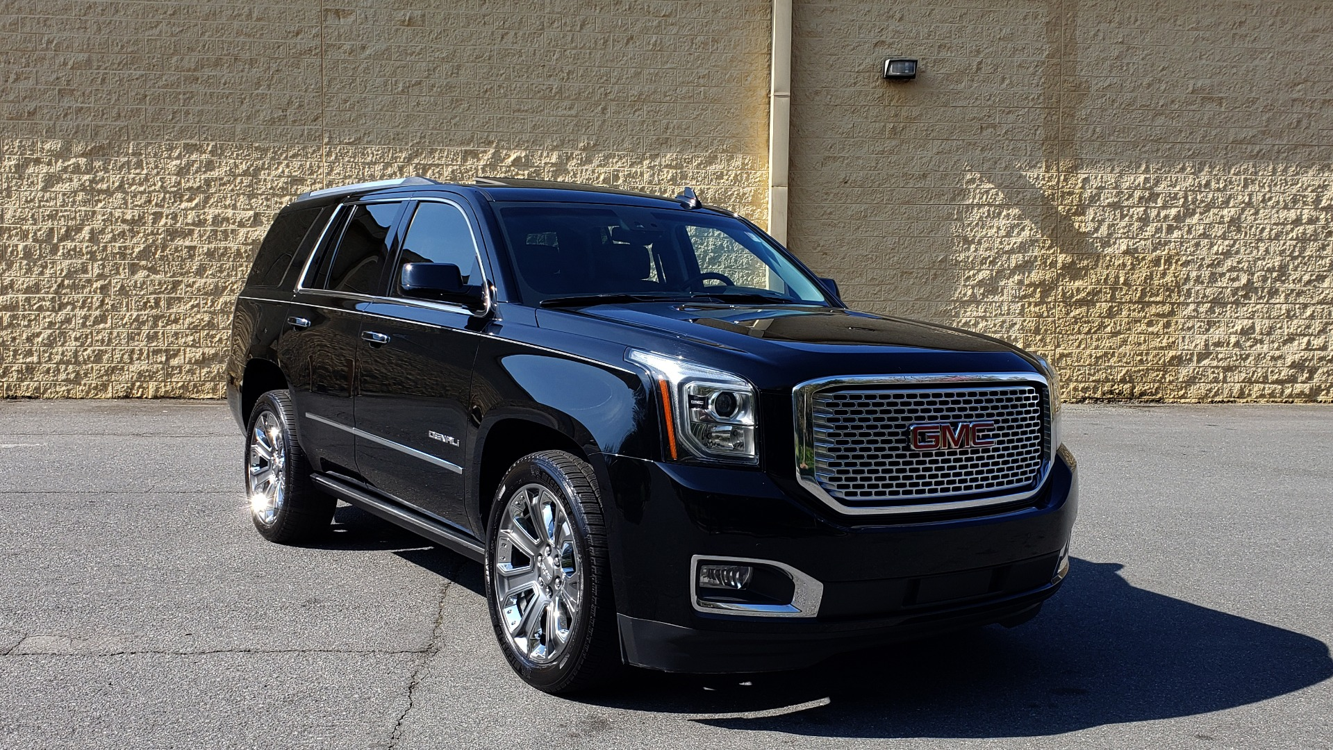 Used 2016 GMC YUKON DENALI 4WD / OPEN ROAD / NAV / ENTERTAINMENT / 3-ROW for sale Sold at Formula Imports in Charlotte NC 28227 4
