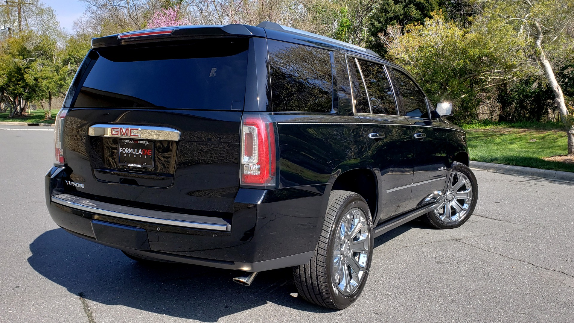 Used 2016 GMC YUKON DENALI 4WD / OPEN ROAD / NAV / ENTERTAINMENT / 3-ROW for sale Sold at Formula Imports in Charlotte NC 28227 6