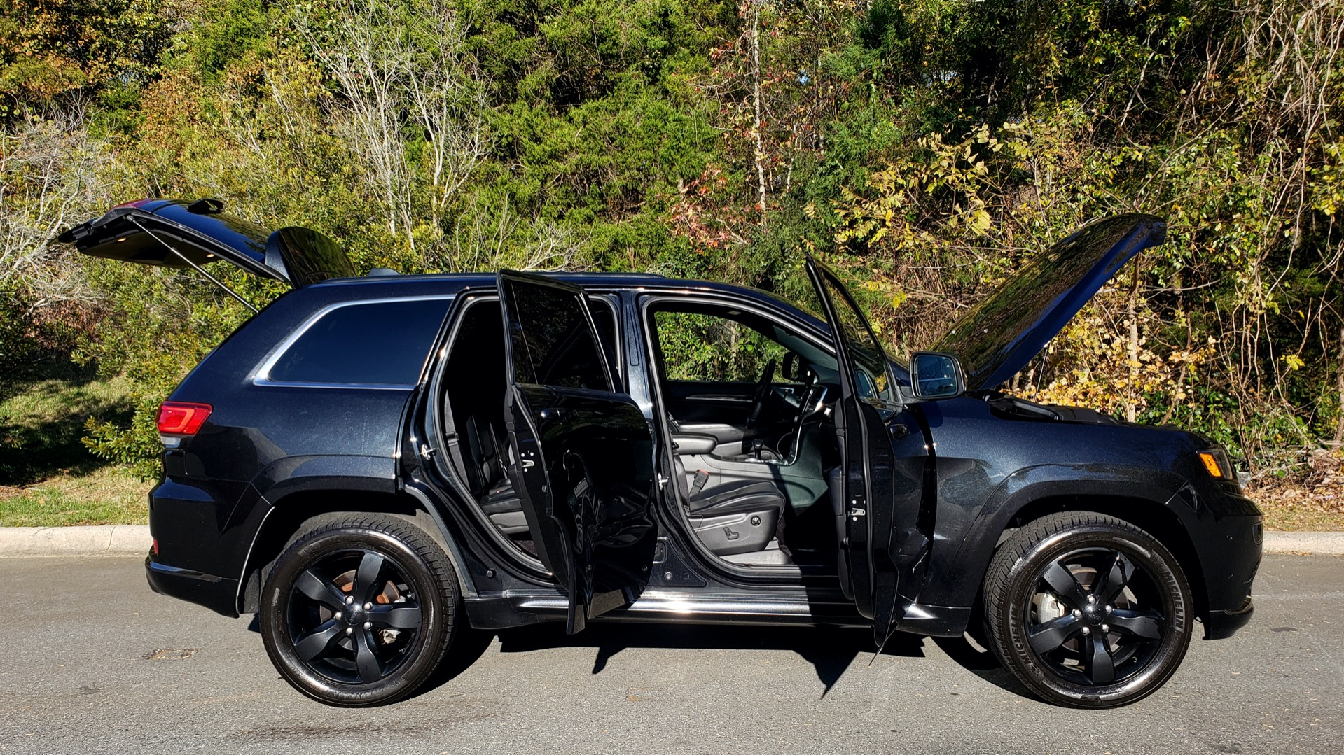Used 2015 Jeep GRAND CHEROKEE HIGH ALTITUDE / NAV / SUNROOF / REARVIEW / TOW PKG for sale Sold at Formula Imports in Charlotte NC 28227 14