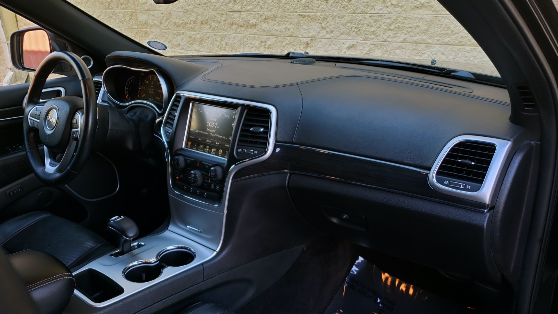 Used 2015 Jeep GRAND CHEROKEE HIGH ALTITUDE / NAV / SUNROOF / REARVIEW / TOW PKG for sale Sold at Formula Imports in Charlotte NC 28227 62