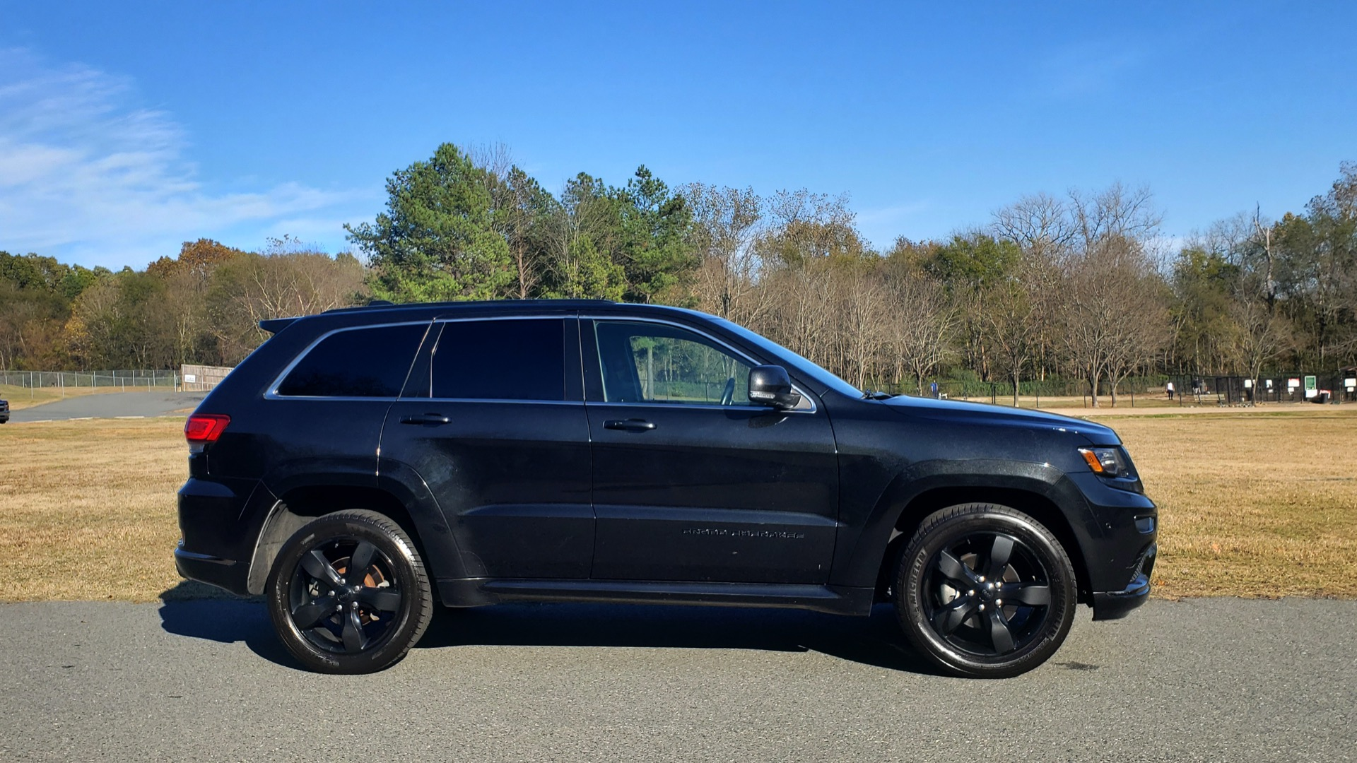 Used 2015 Jeep GRAND CHEROKEE HIGH ALTITUDE / NAV / SUNROOF / REARVIEW / TOW PKG for sale Sold at Formula Imports in Charlotte NC 28227 9