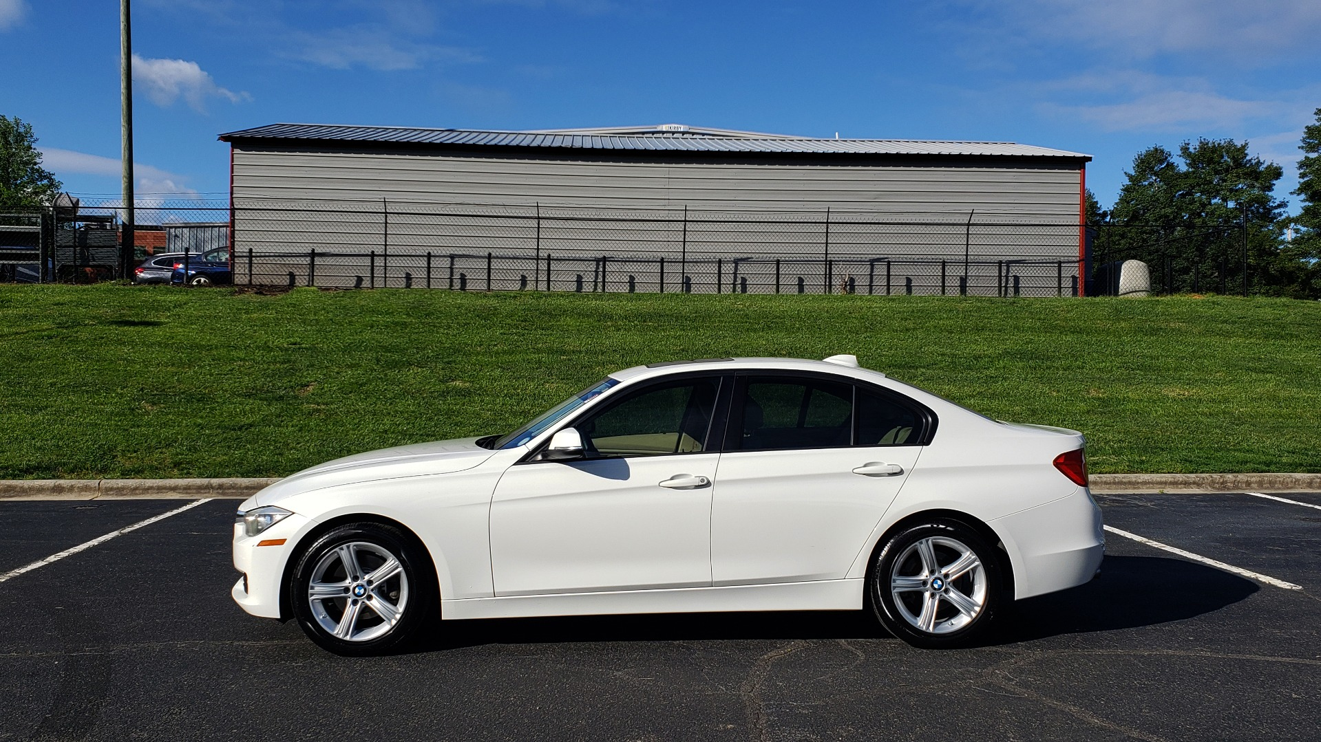 Used 2013 BMW 3 SERIES 328I PREMIUM / SUNROOF / COMFORT ACCESS KEY / SAT RADIO for sale Sold at Formula Imports in Charlotte NC 28227 2