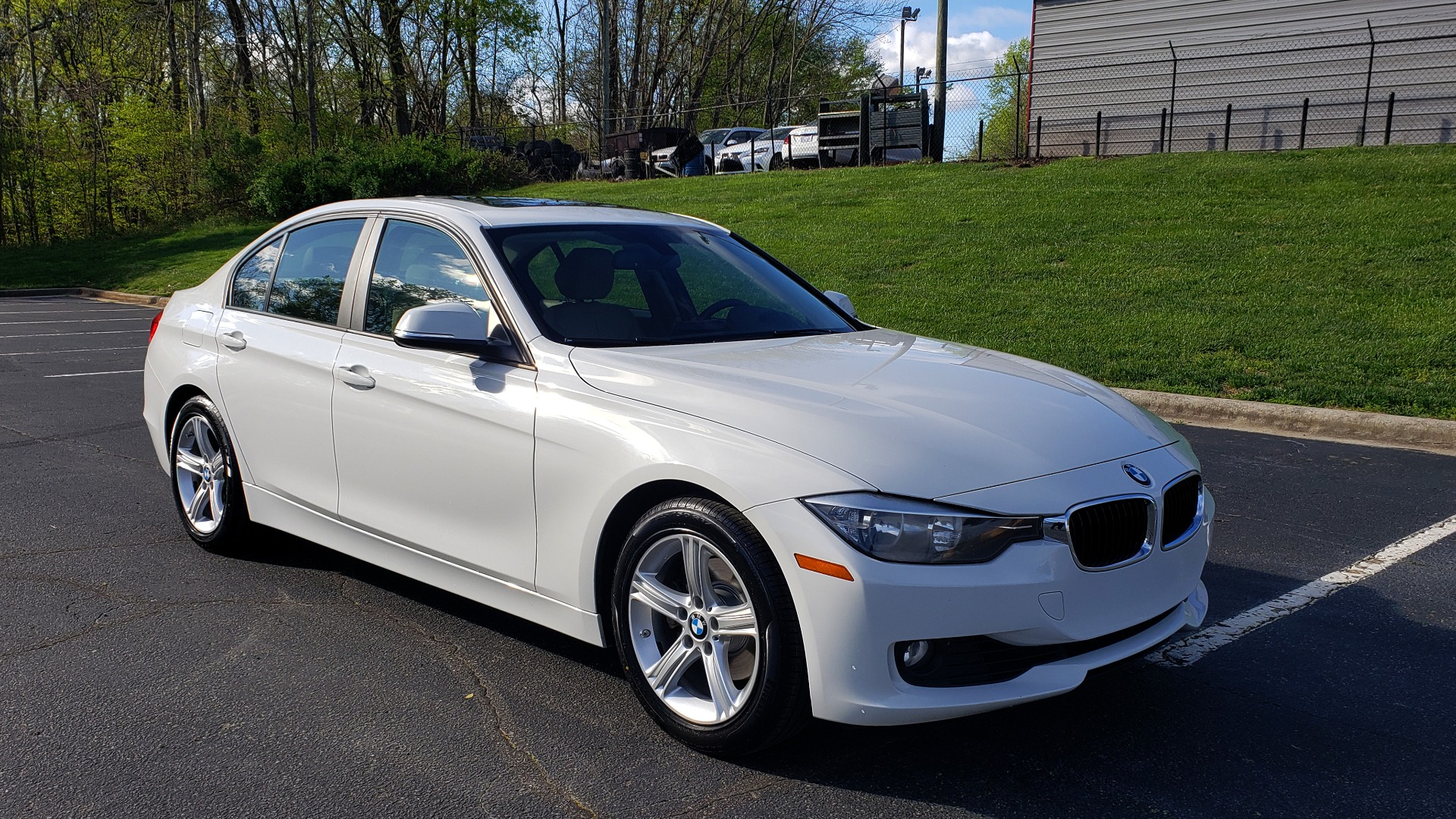 Used 2013 BMW 3 SERIES 328I PREMIUM / SUNROOF / COMFORT ACCESS KEY / SAT RADIO for sale Sold at Formula Imports in Charlotte NC 28227 4