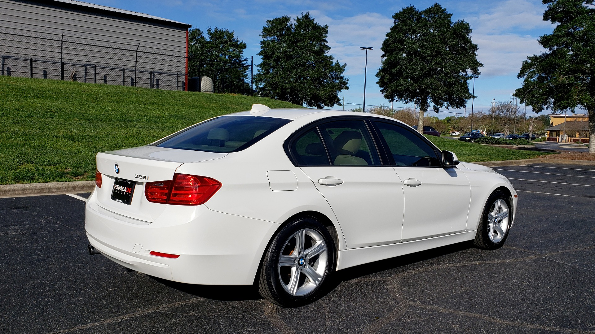 Used 2013 BMW 3 SERIES 328I PREMIUM / SUNROOF / COMFORT ACCESS KEY / SAT RADIO for sale Sold at Formula Imports in Charlotte NC 28227 6