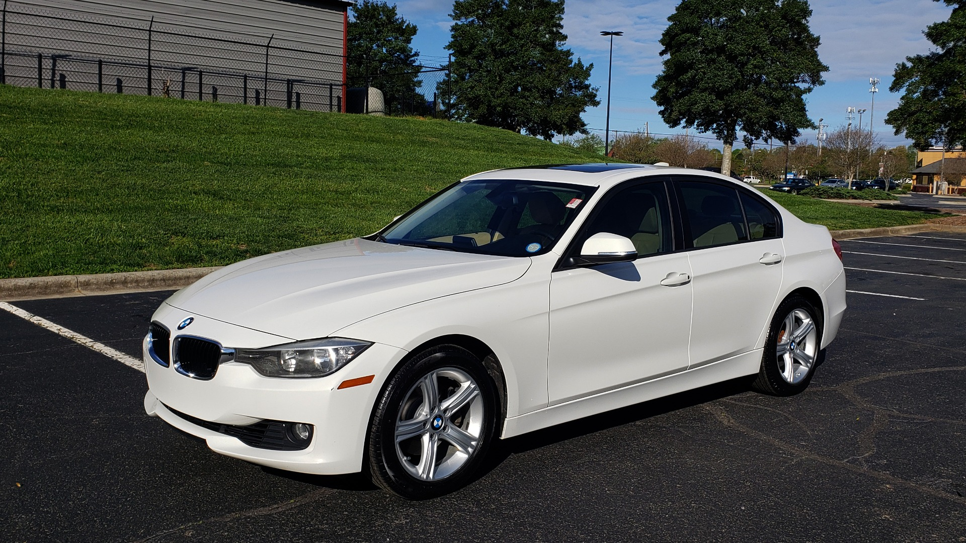 Used 2013 BMW 3 SERIES 328I PREMIUM / SUNROOF / COMFORT ACCESS KEY / SAT RADIO for sale Sold at Formula Imports in Charlotte NC 28227 1