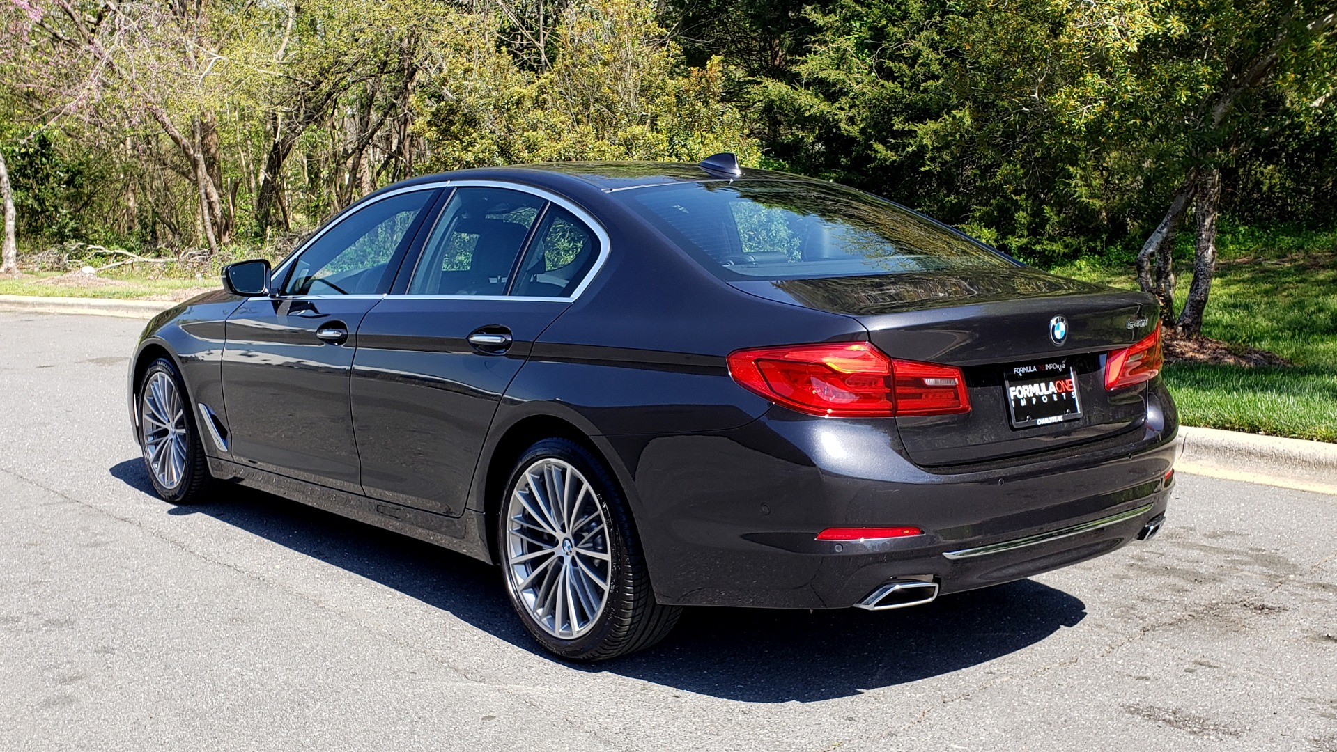 Used 2017 BMW 5 SERIES 540I PREMIUM / DRVR ASST PLUS / NAV / SNF / HARMAN/KARDON for sale Sold at Formula Imports in Charlotte NC 28227 3