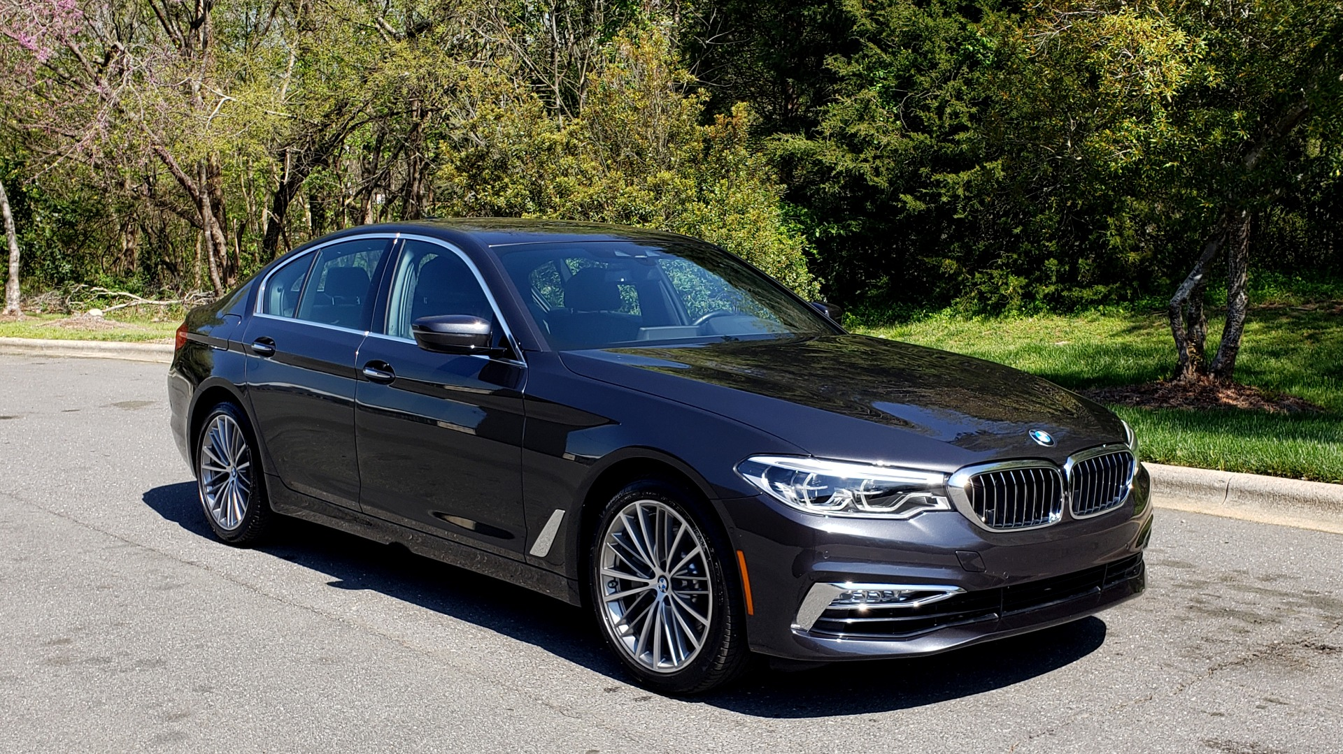 Used 2017 BMW 5 SERIES 540I PREMIUM / DRVR ASST PLUS / NAV / SNF / HARMAN/KARDON for sale Sold at Formula Imports in Charlotte NC 28227 4