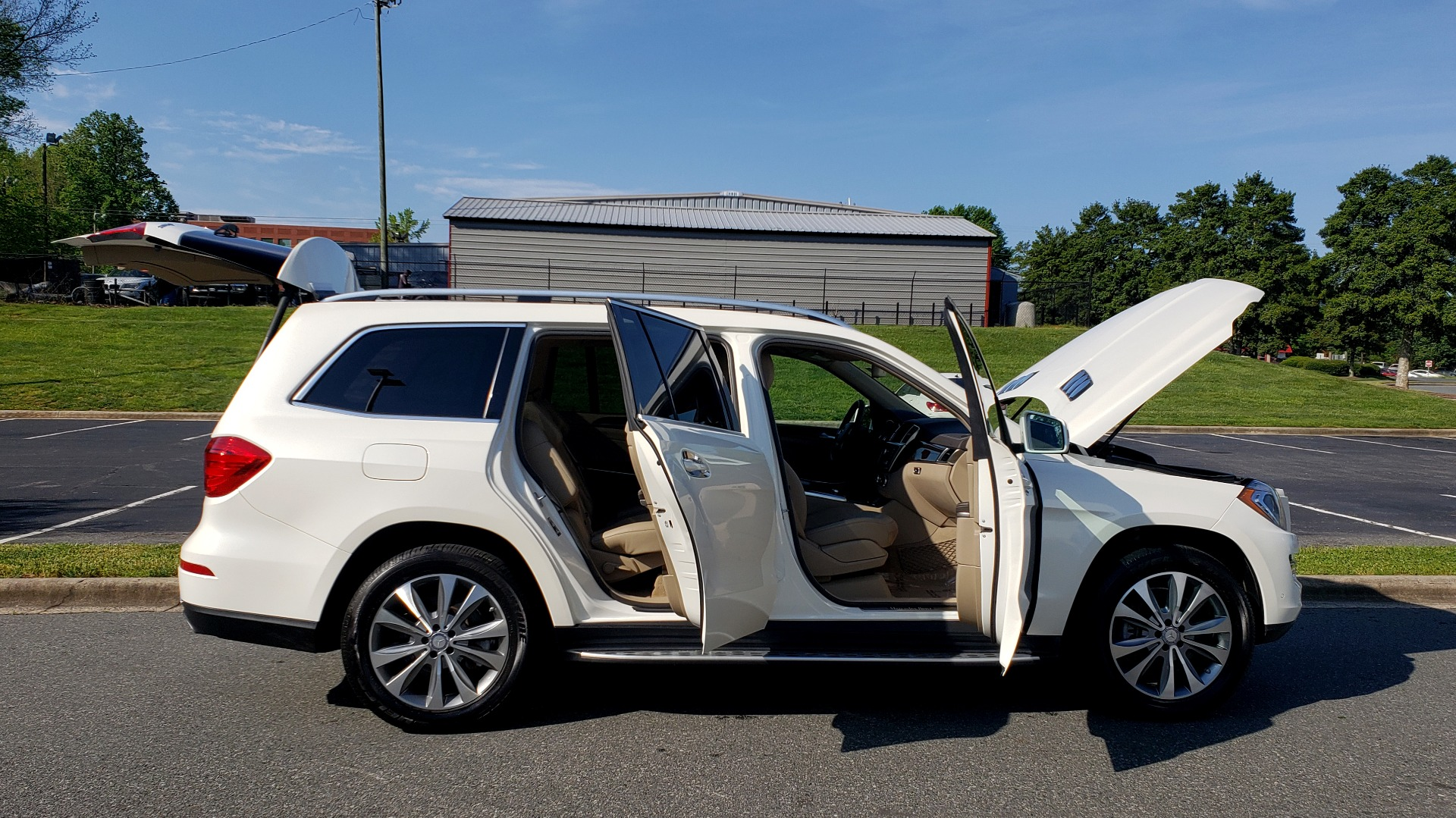 Used 2014 Mercedes-Benz GL-Class GL 450 PREMIUM / NAV / SUNROOF / 3-ROW / REARVIEW for sale Sold at Formula Imports in Charlotte NC 28227 10