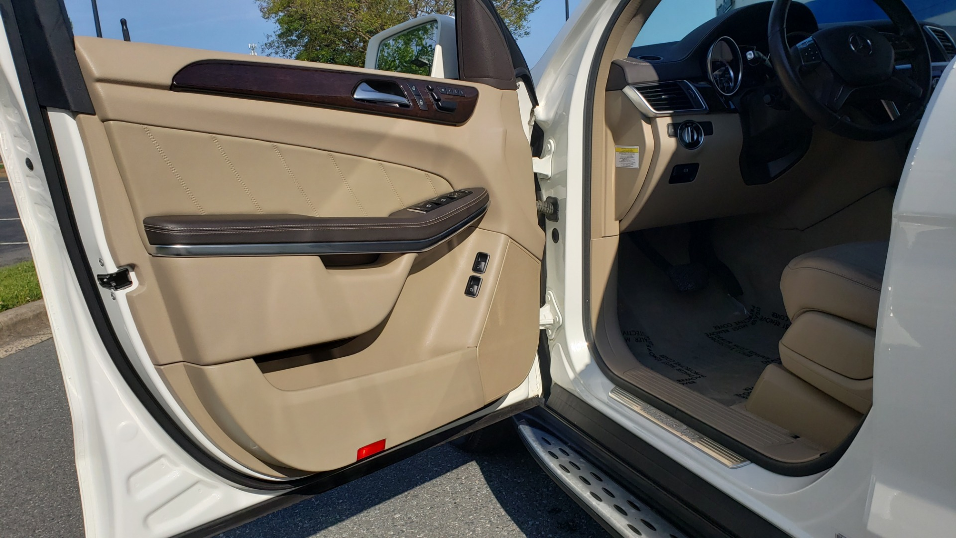 Used 2014 Mercedes-Benz GL-Class GL 450 PREMIUM / NAV / SUNROOF / 3-ROW / REARVIEW for sale Sold at Formula Imports in Charlotte NC 28227 27