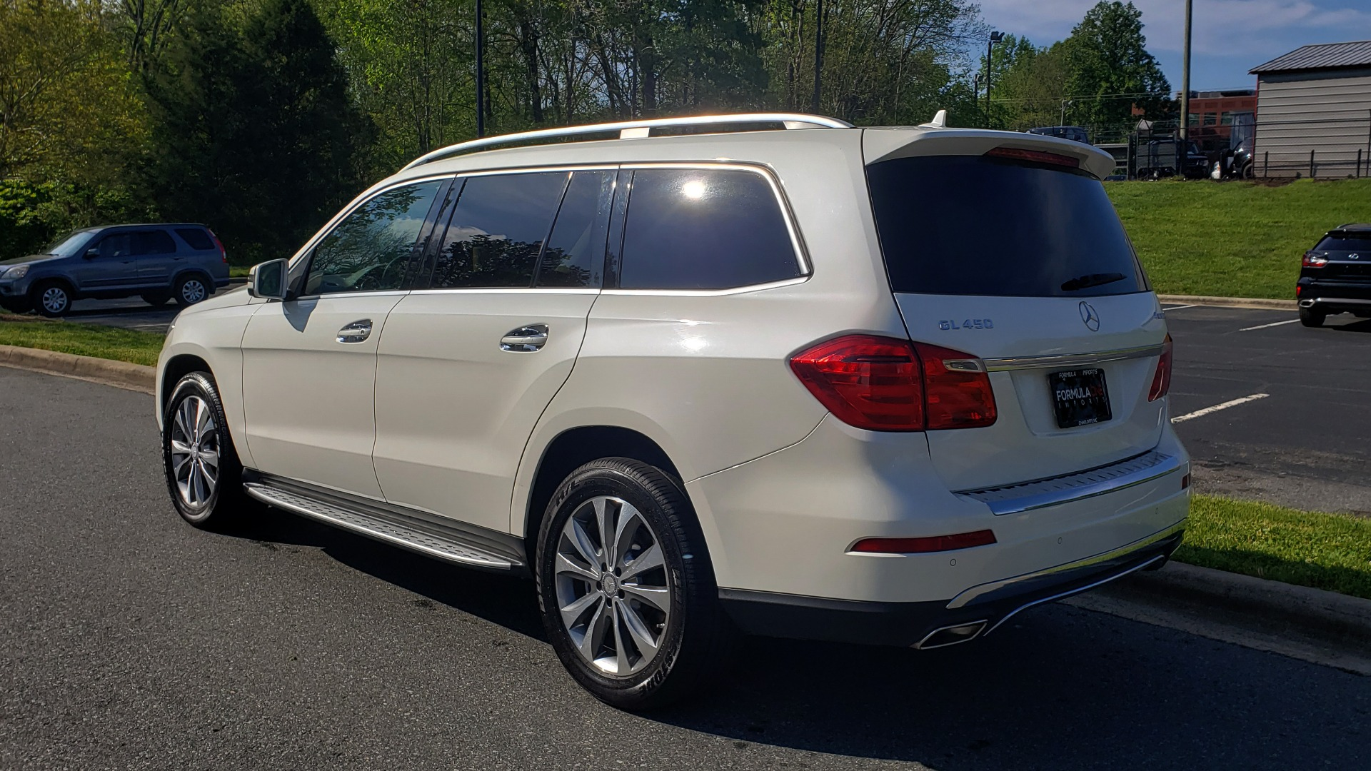Used 2014 Mercedes-Benz GL-Class GL 450 PREMIUM / NAV / SUNROOF / 3-ROW / REARVIEW for sale Sold at Formula Imports in Charlotte NC 28227 3