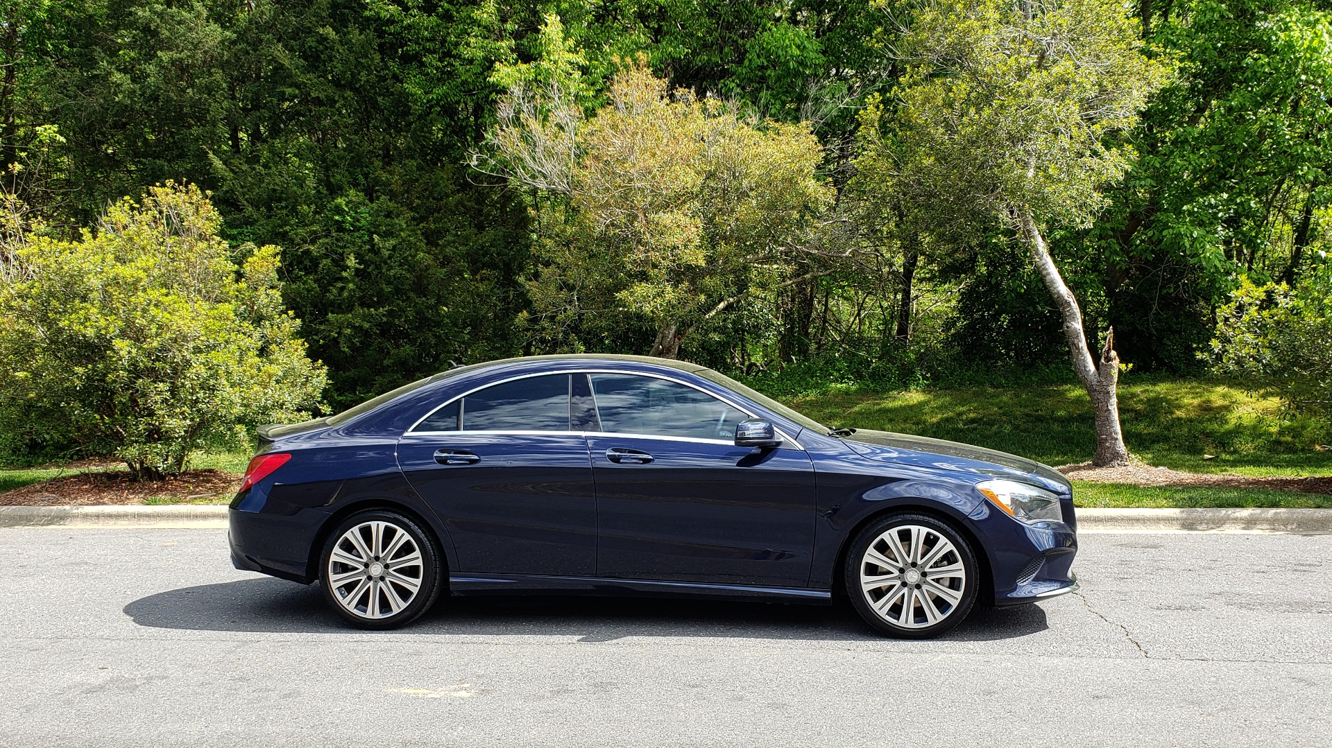 Used 2017 Mercedes-Benz CLA 250 PREMIUM / PANO-ROOF / HK SOUNDS / BSM / REARVIEW for sale Sold at Formula Imports in Charlotte NC 28227 5
