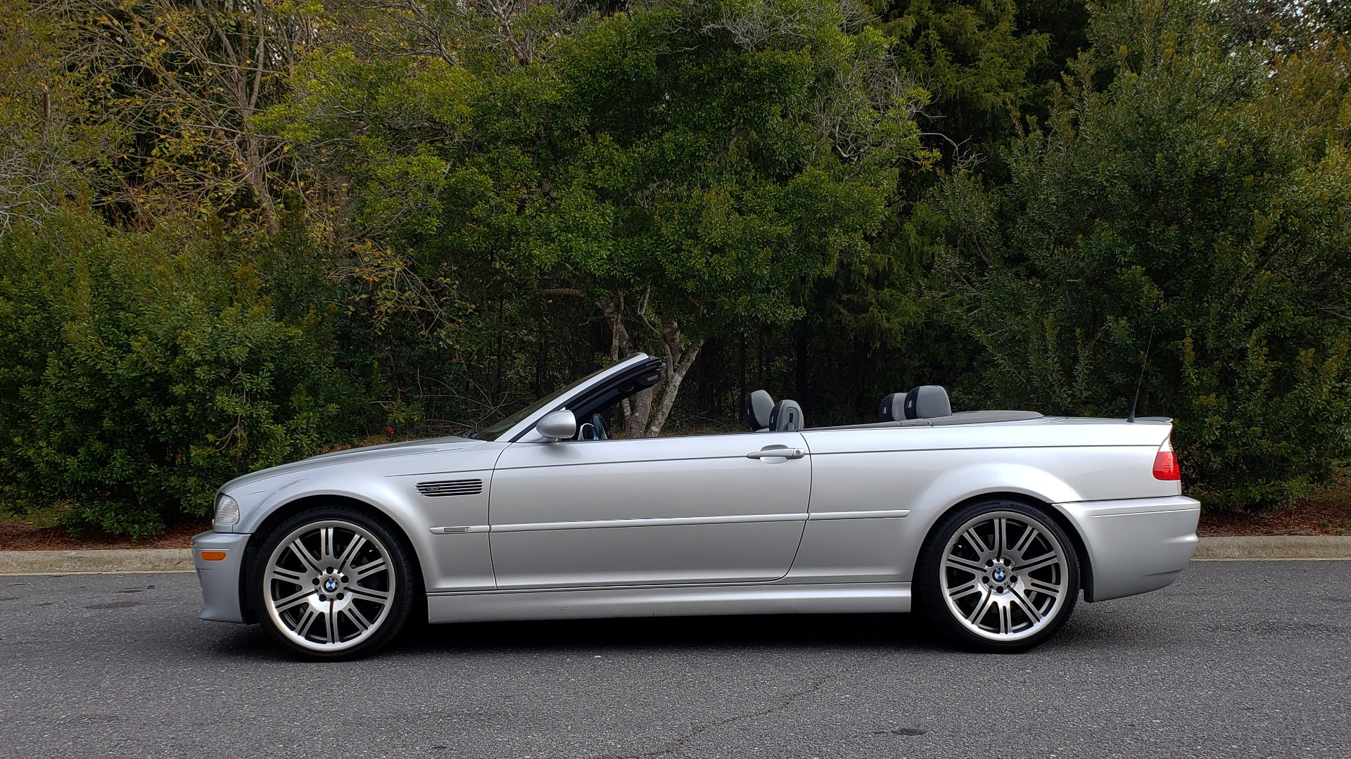 Used 2002 BMW M3 CONVERTIBLE / 6-SPD MAN / XENON / 19IN WHEELS for sale Sold at Formula Imports in Charlotte NC 28227 3