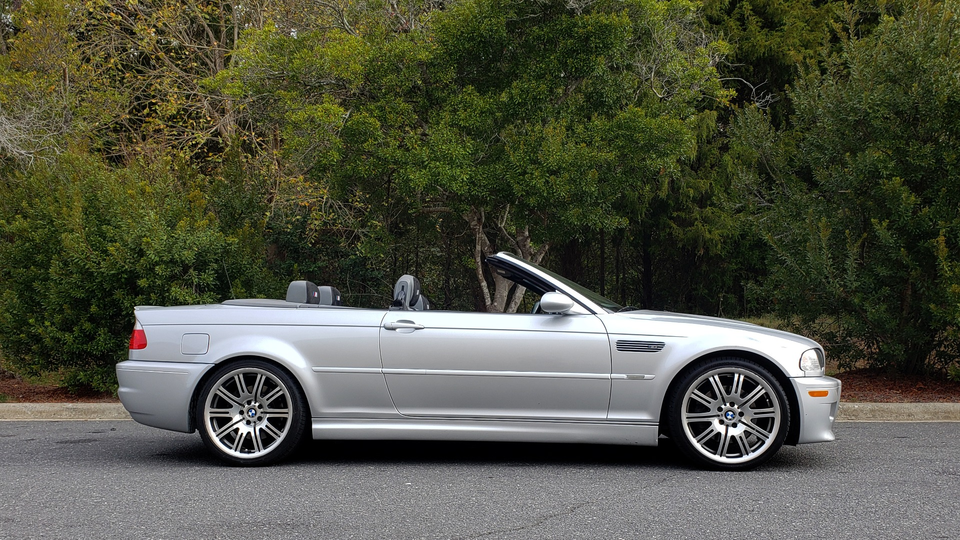 Used 2002 BMW M3 CONVERTIBLE / 6-SPD MAN / XENON / 19IN WHEELS for sale Sold at Formula Imports in Charlotte NC 28227 6