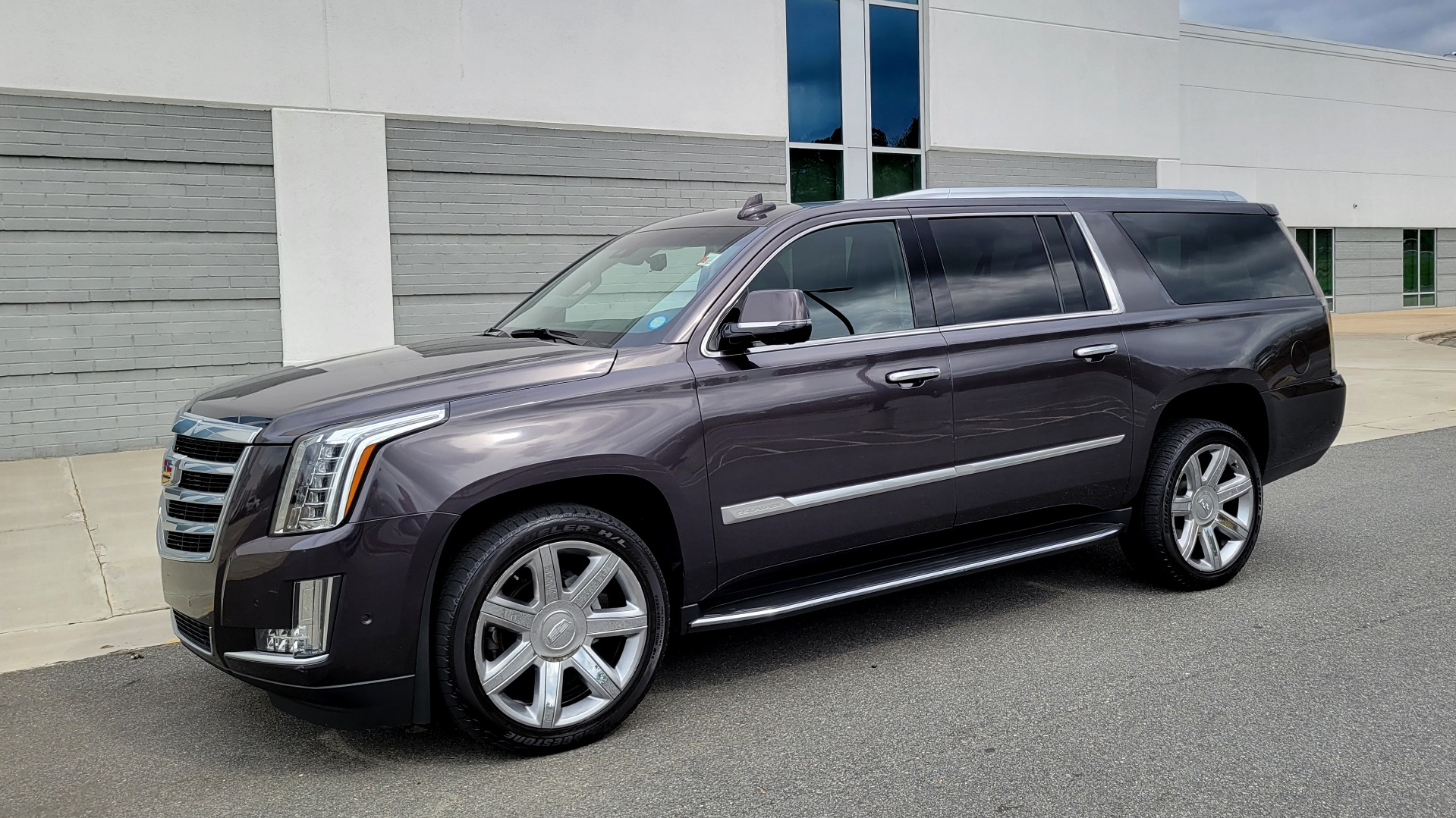 Used 2018 Cadillac ESCALADE ESV LUXURY 4WD / NAV / SUNROOF / ENTERTAIN / REARVIEW / 3-ROW for sale Sold at Formula Imports in Charlotte NC 28227 4