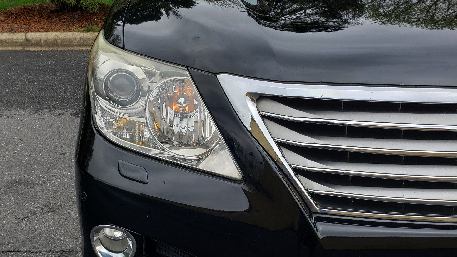 Used 2008 Lexus LX 570 4WD / TECH PKG / NAV / SUNROOF / MARK LEVINSON / PARK ASST for sale $22,995 at Formula Imports in Charlotte NC 28227 21