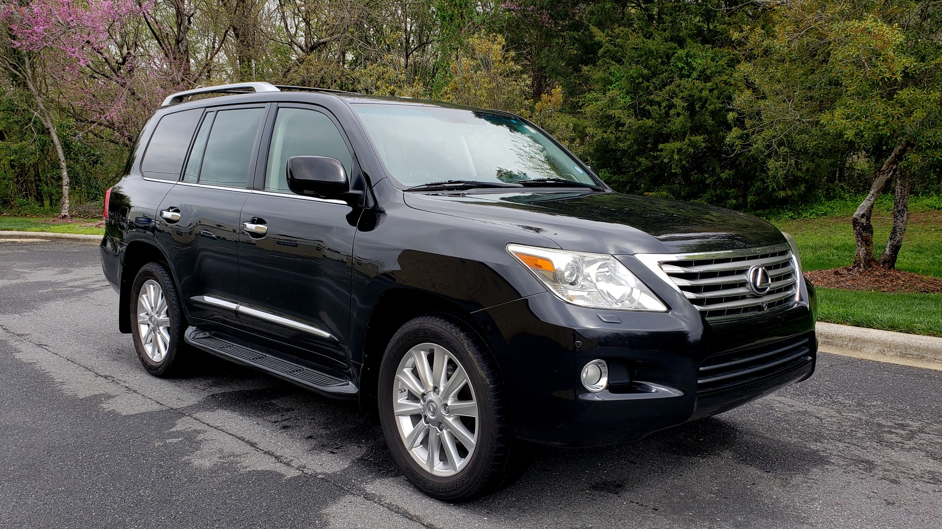 Used 2008 Lexus LX 570 4WD / TECH PKG / NAV / SUNROOF / MARK LEVINSON / PARK ASST for sale $22,995 at Formula Imports in Charlotte NC 28227 4